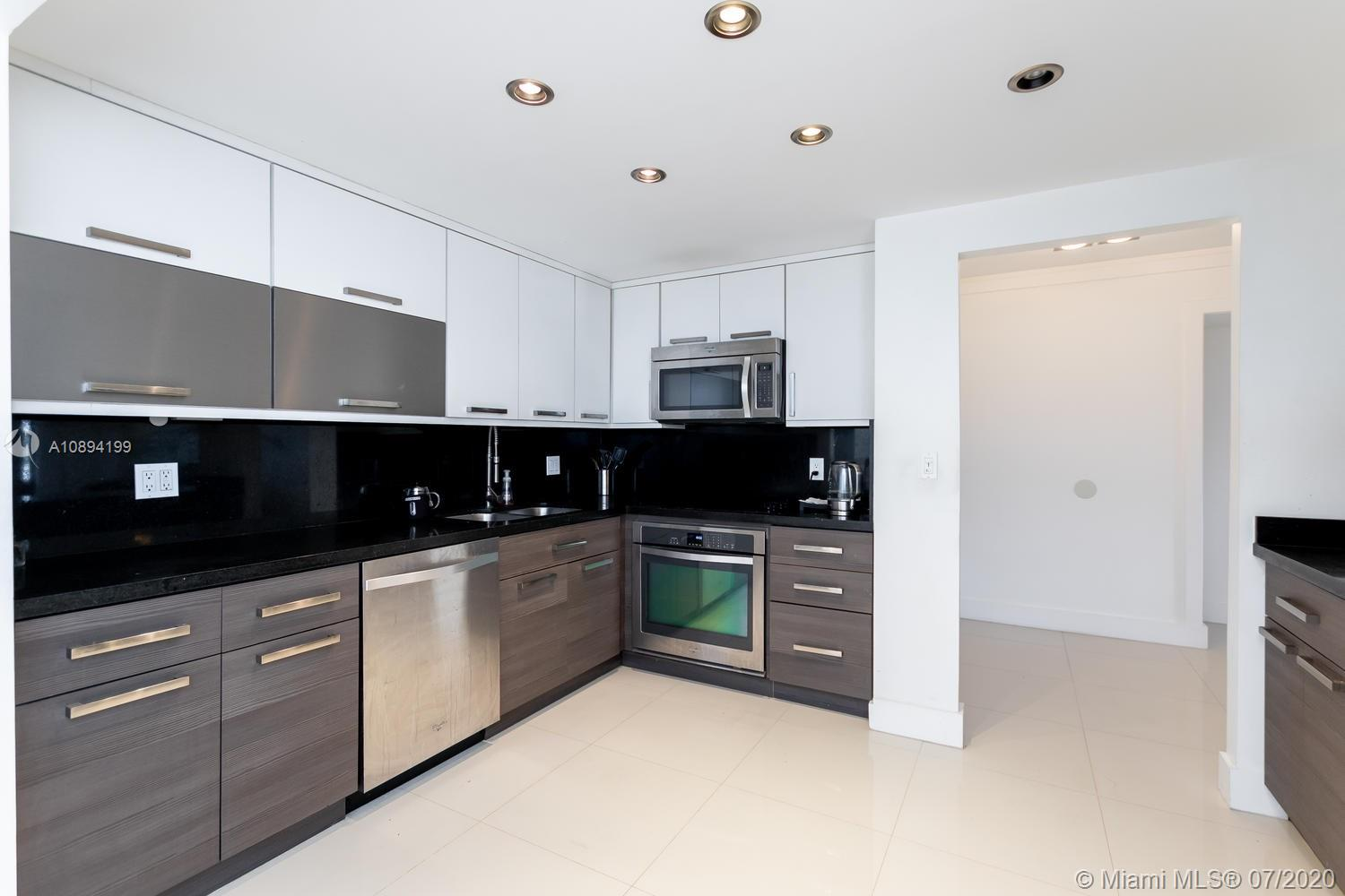 2500  Parkview Drive #410 For Sale A10894199, FL