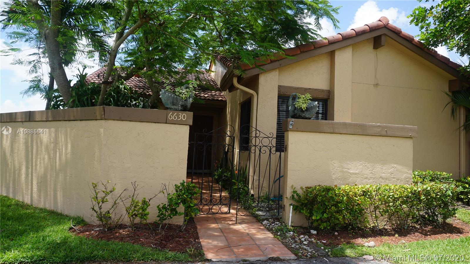 6630 NW 180 ter  For Sale A10886641, FL