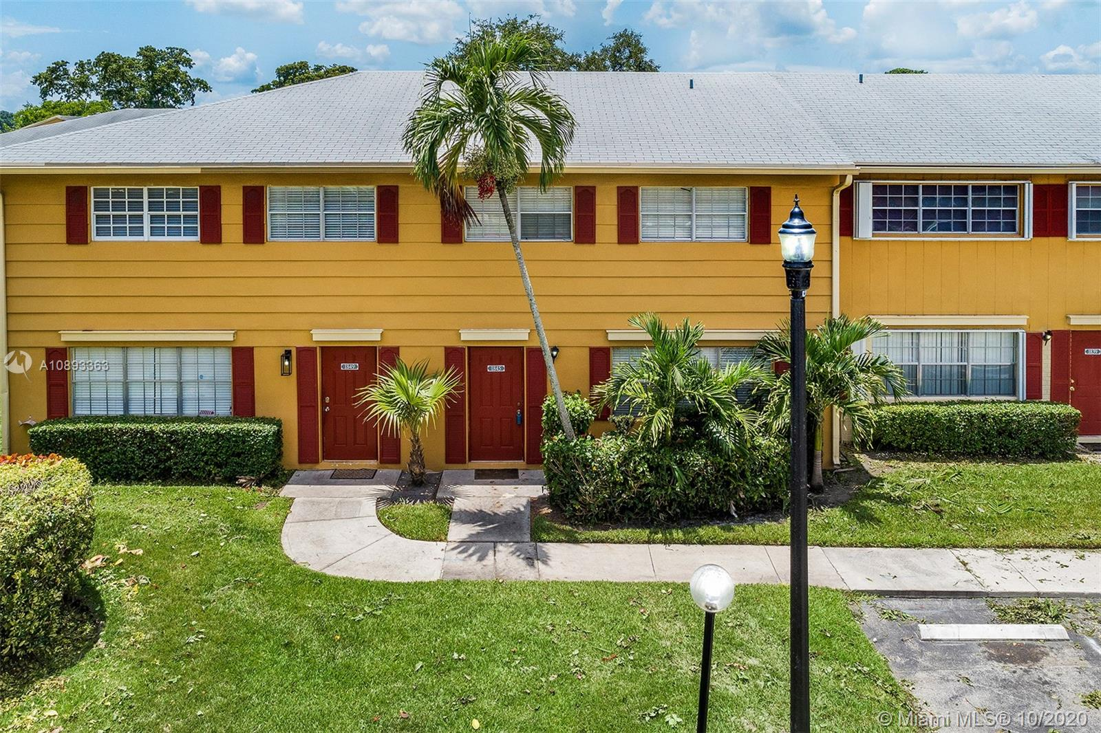 1845 SW 81st Ter #2-19 For Sale A10893363, FL
