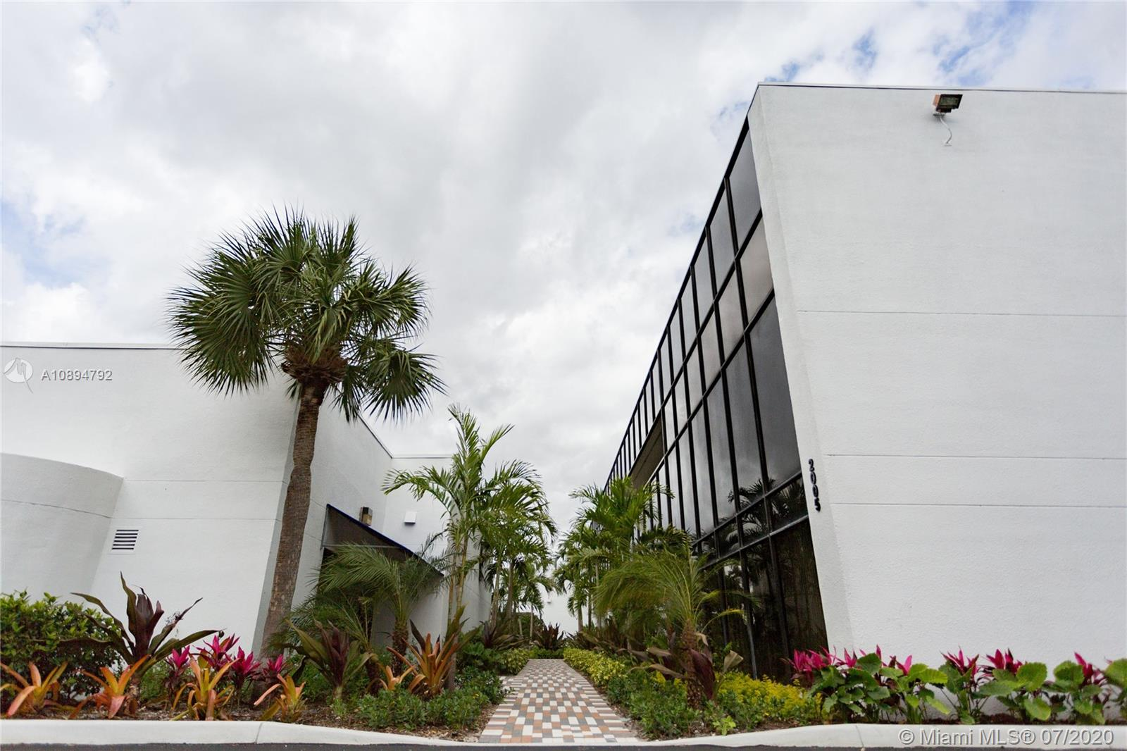 2005 NW 62nd St #100 For Sale A10894792, FL