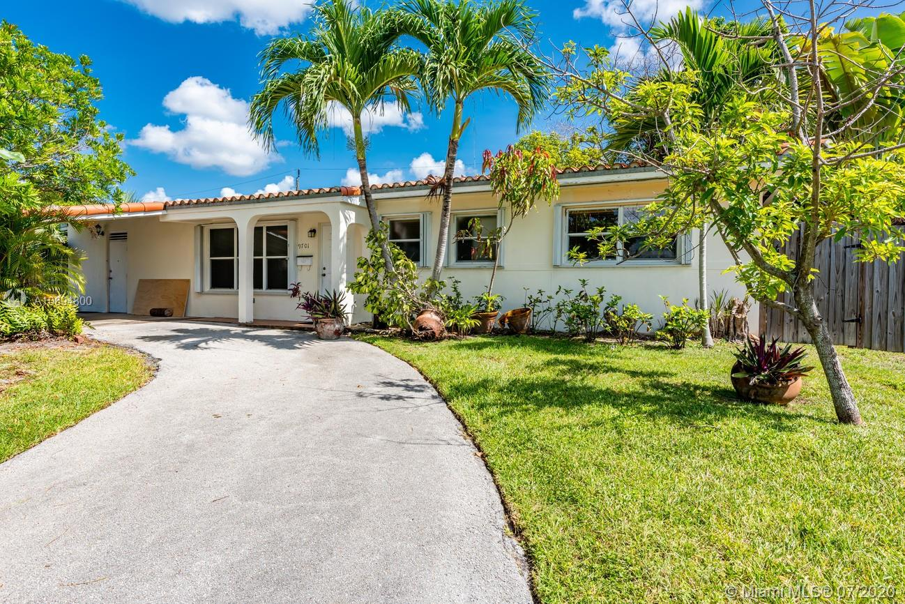 Beautiful 3 bed, 2 bath with den 1,504 Sq.Ft corner lot home on a hill. Lovely Spanish tiled roof and new AC unit.