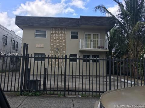 1028 SW 2nd St #4 For Sale A10895765, FL