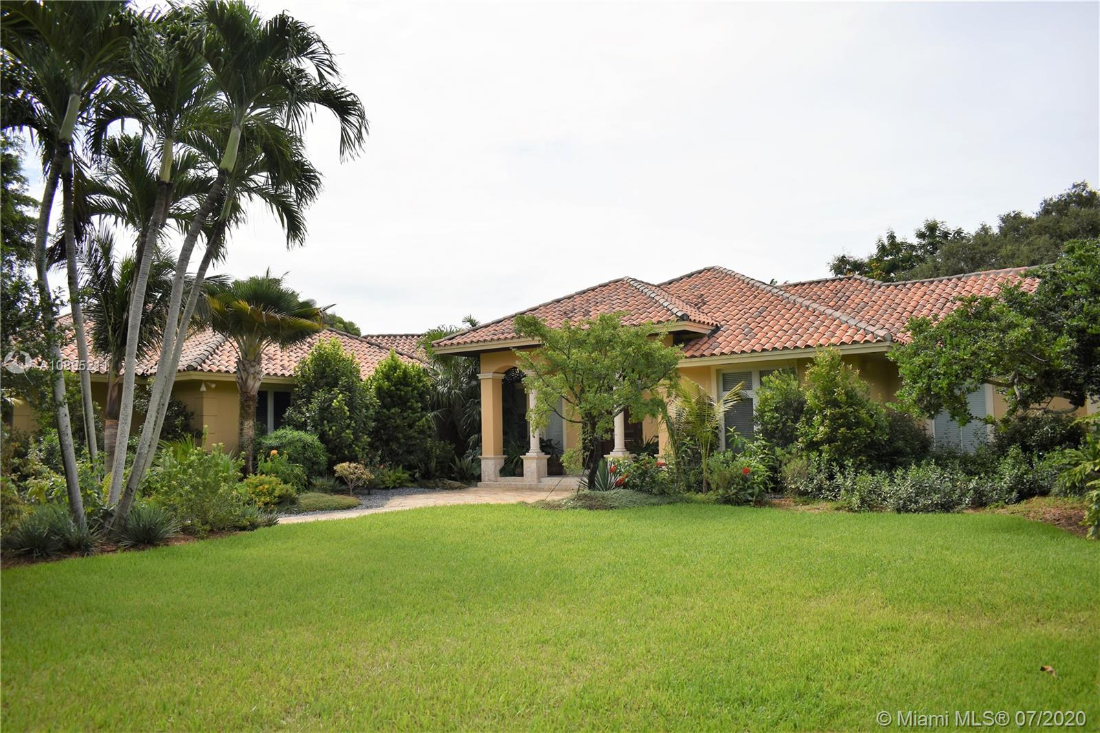 6280 SW 102nd St  For Sale A10895211, FL