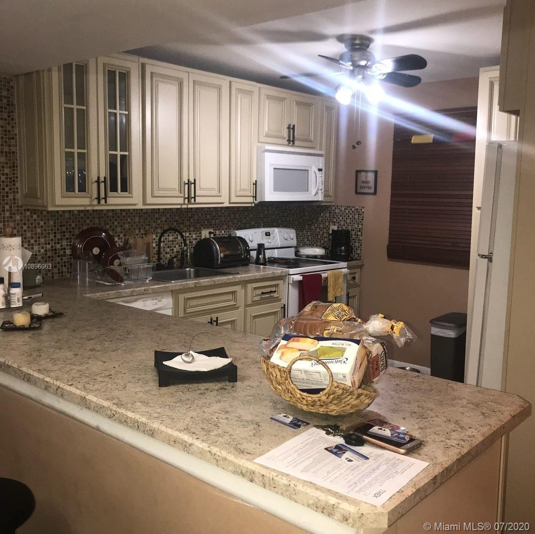3390  Foxcroft Rd #C112 For Sale A10896063, FL