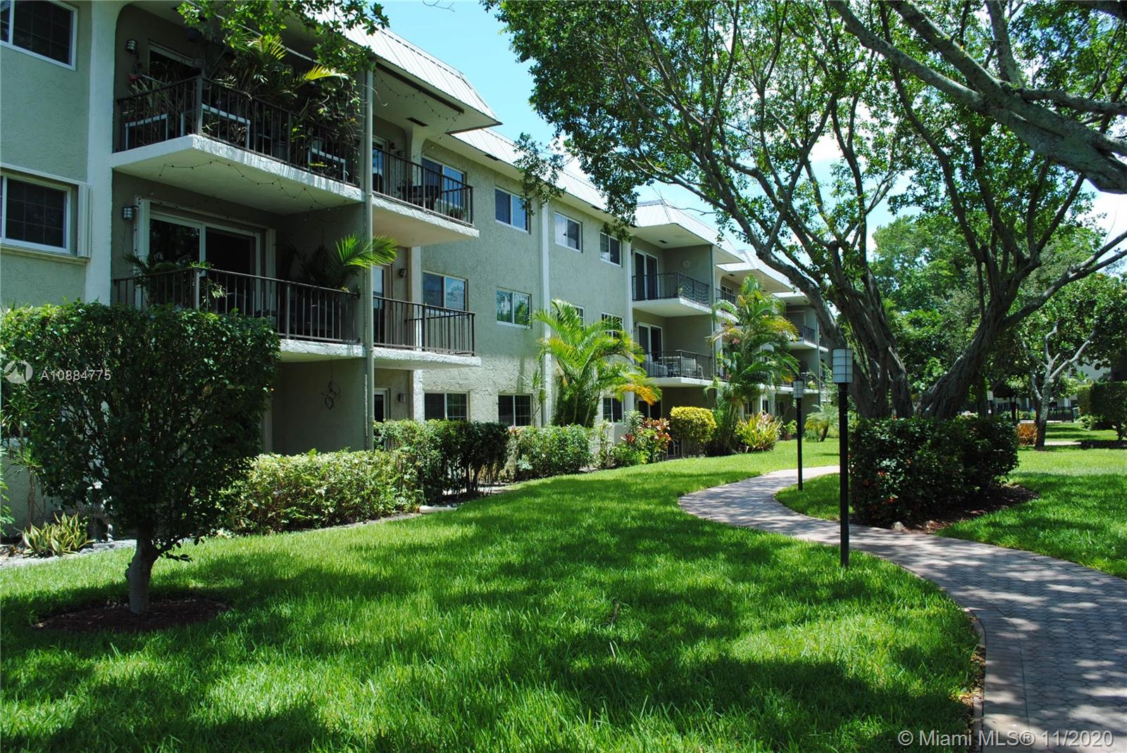 TWO BEDROOM, TWO BATHROOM CONDO IN RIVER MANOR. ESTATE SALE SUBJECT TO COURT APPROVAL. IMPACT WINDOWS AND SLIDING DOORS TO BALCONY. GARDEN & COURTYARD VIEW. TILE THROUGHOUT. WALK IN CLOSETS. COMMUNITY LAUNDRY ROOM. SOLD WITH CONTENTS. WELL MAINTAINED COMMUNITY WITH NICELY MANICURED LUSH LANDSCAPING, CLUBHOUSE, HEATED POOL & WATERFRONT BBQ AREA. 1 ASSIGNED PARKING WITH PLENTY OF GUEST PARKING. SEPARATE STORAGE AREA. NO DOGS. 2 CATS OK. NO LEASING FIRST YEAR OF OWNERSHIP. GREAT LOCATION NEAR I-95 & WITHIN WALKING DISTANCE OF WILTON DRIVE, PUBLIX, STARBUCKS AND DINING. TEXT LISTING AGENT. PLEASE VIEW PROPERTY BEFORE SUBMITTING OFFER. ALL OFFERS MUST BE COMPLETE TO BE CONSIDERED. CONTRACT TO BE APPROVED BY SELLERS ATTORNEY. SEE ATTACHMENTS & BROKER'S REMARKS. SOME PICS ARE VIRTUALLY STAGED.