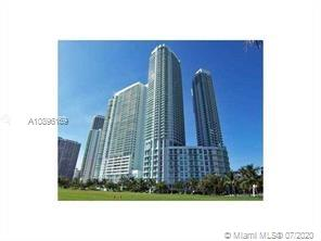VERY SPACIOUS 2/2 PLUS DEN WITH OVER 1300 SF OF LIVING AREA,BEAUTIFUL BAY AND CITY VIEWS. OPEN KITCHEN W/STAINLESS STEEL AND MARBLE FLOORS IN LIVING AREA,DEN AND BERBER CARPET IN BOTH BEDROOMS. LUXURY BUILDING WITH FULL AMENITIES.WALK TO PARK, CAFES, UNIT SHOPPING AND NIGHTLIFE. 5 MINUTES TO SOUTH BEACH, DOWNTOWN & BRICKELL.