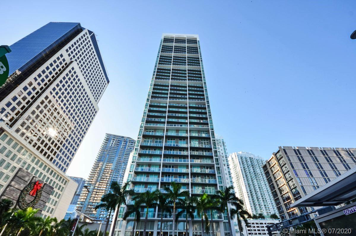 LARGE AND BEAUTIFUL 2 BEDROOM, 2 BATH CORNER UNIT IN THE HEART OF BRICKELL. BEST 2/2 LINE IN THE BUILDING WITH AMAZING VIEWS OF THE BAY AND CITY FROM EVERY ROOM. PORCELAIN TILE FLOORS THROUGHOUT. EUROPEAN KITCHEN. BUILDING OFFERS TOP OF THE LINE AMENITIES: 24 HOUR SECURITY, CONCIERGE, VALET, FITNESS CENTER, POOLS.WALKING DISTANCE TO NEW BRICKELL CITY CENTRE, RESTAURANTS, SHOPS AND MOVIE THEATERS.