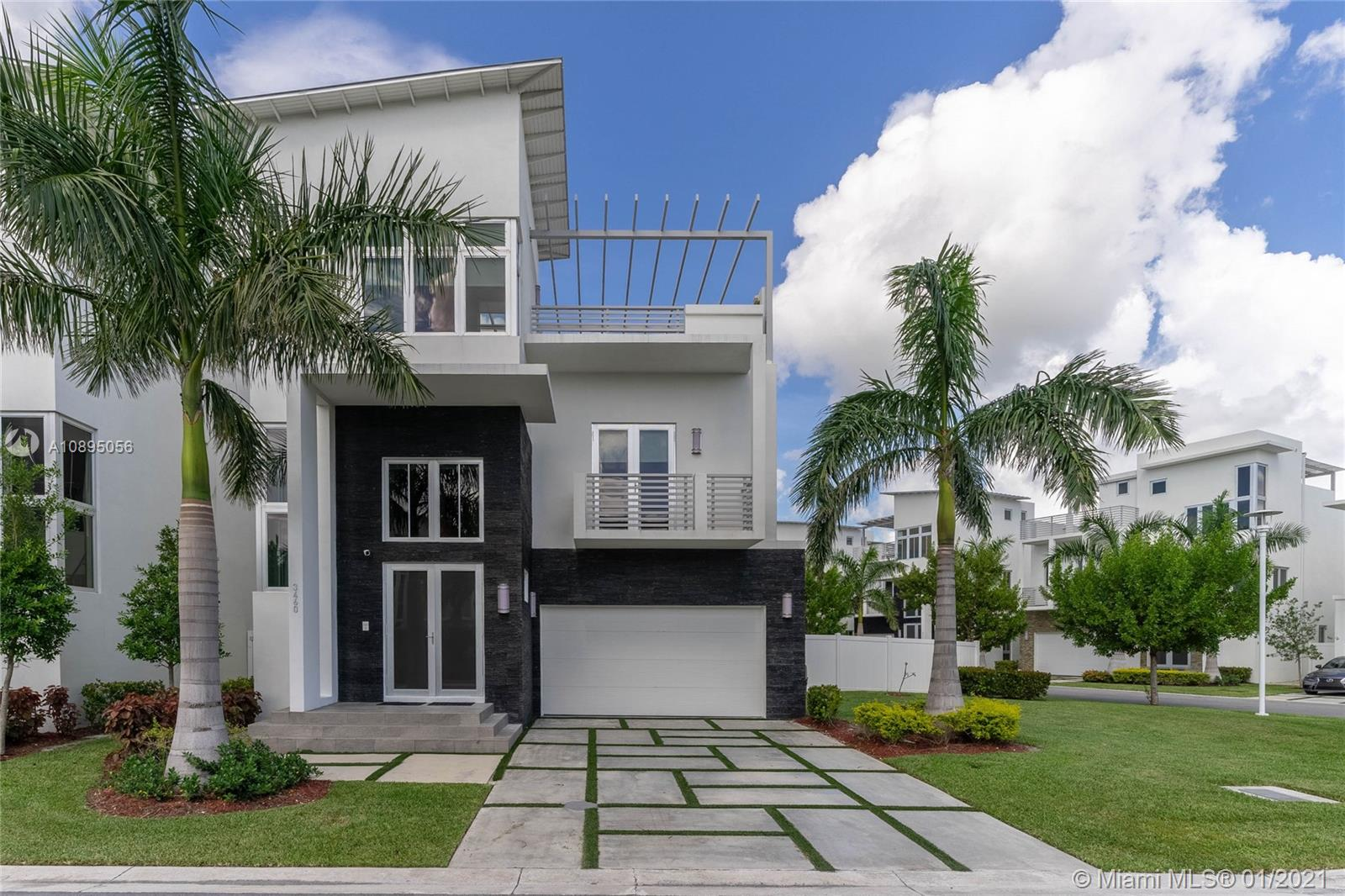 3460 NW 84 Ave  For Sale A10895056, FL