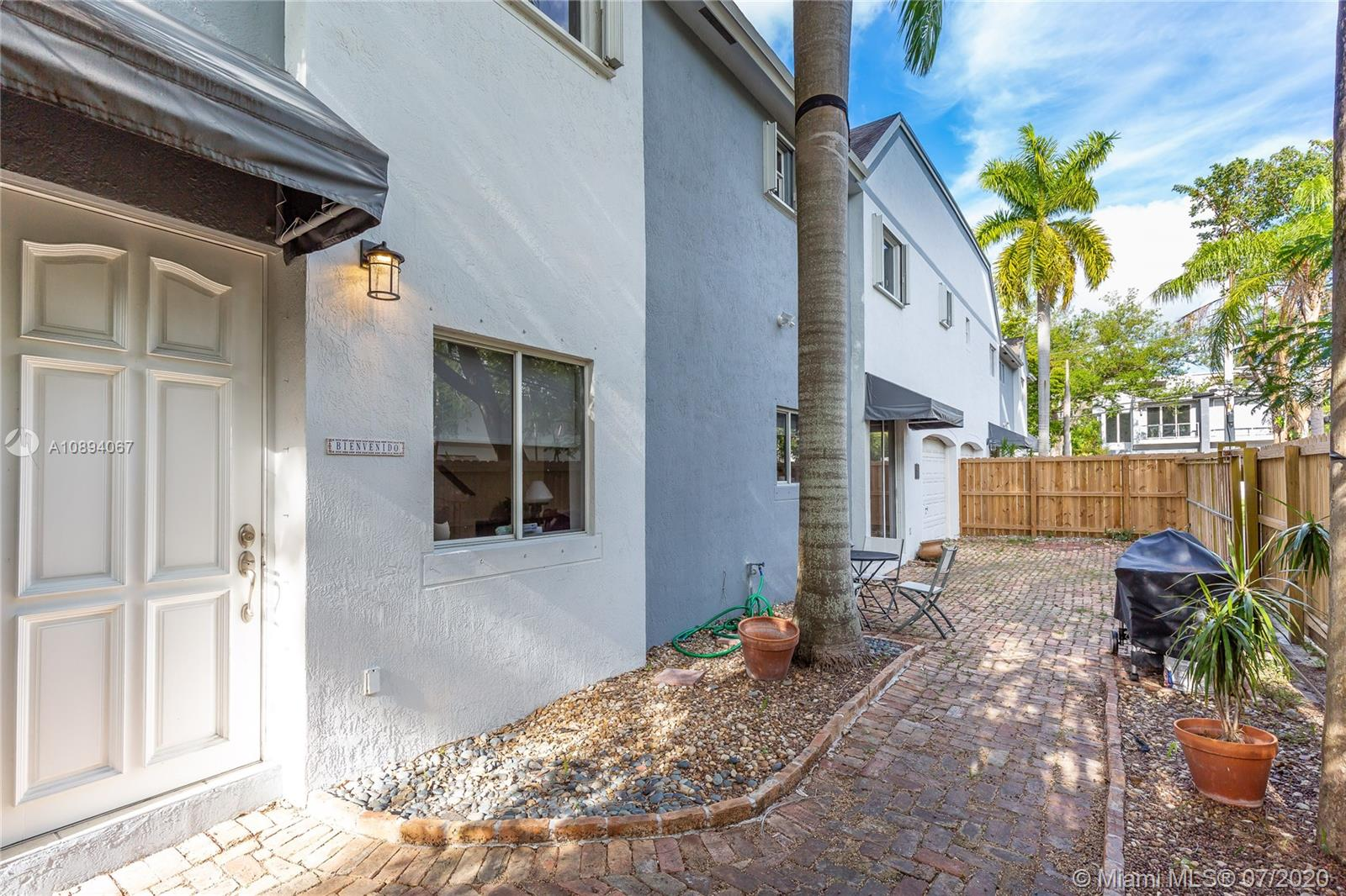 3121  Jackson Ave #3121 For Sale A10894067, FL