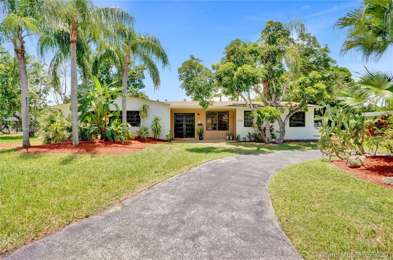 15300 SW 87th Ct  For Sale A10896071, FL