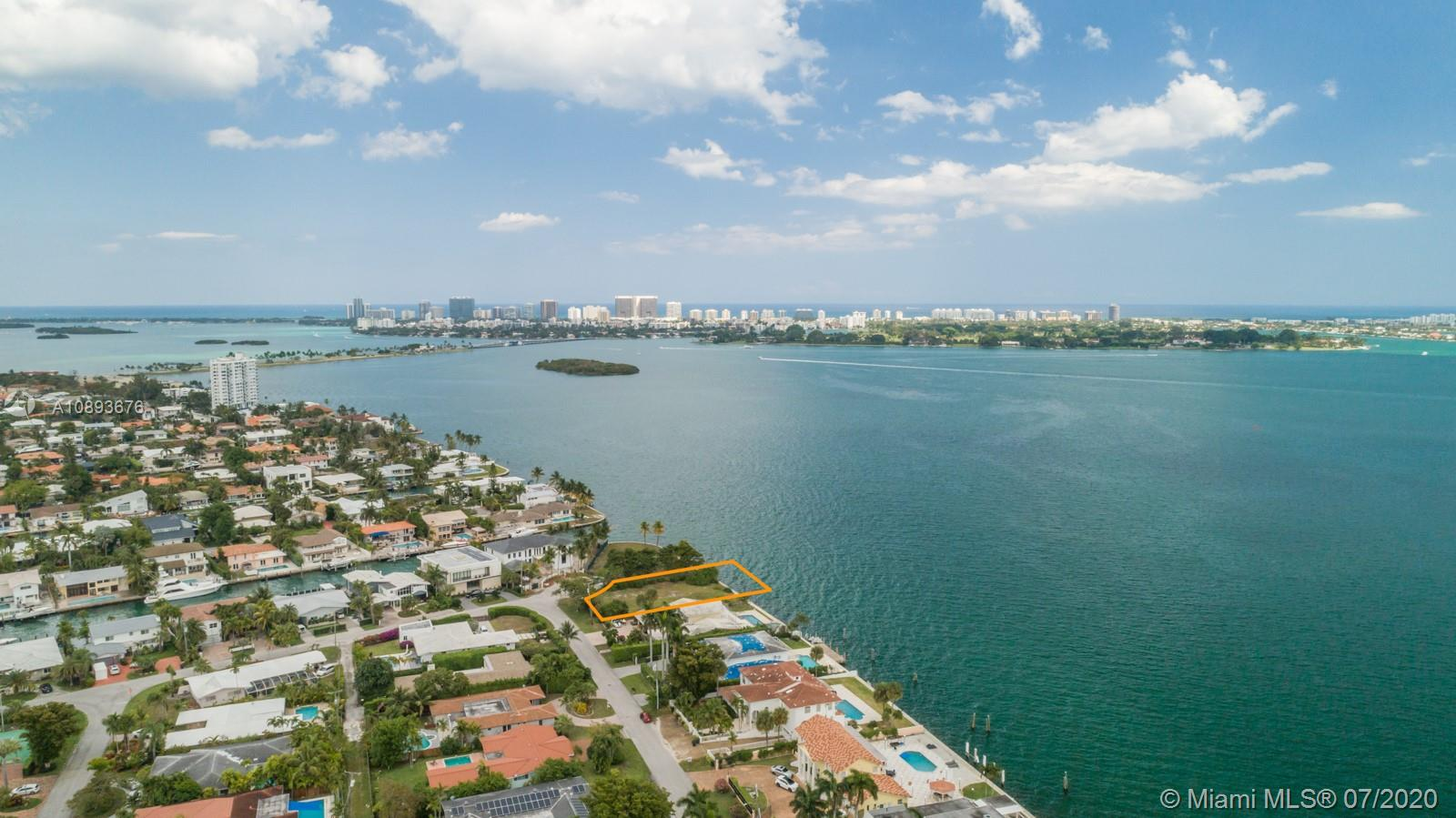Details for 11404 Bayshore Dr, North Miami, FL 33181