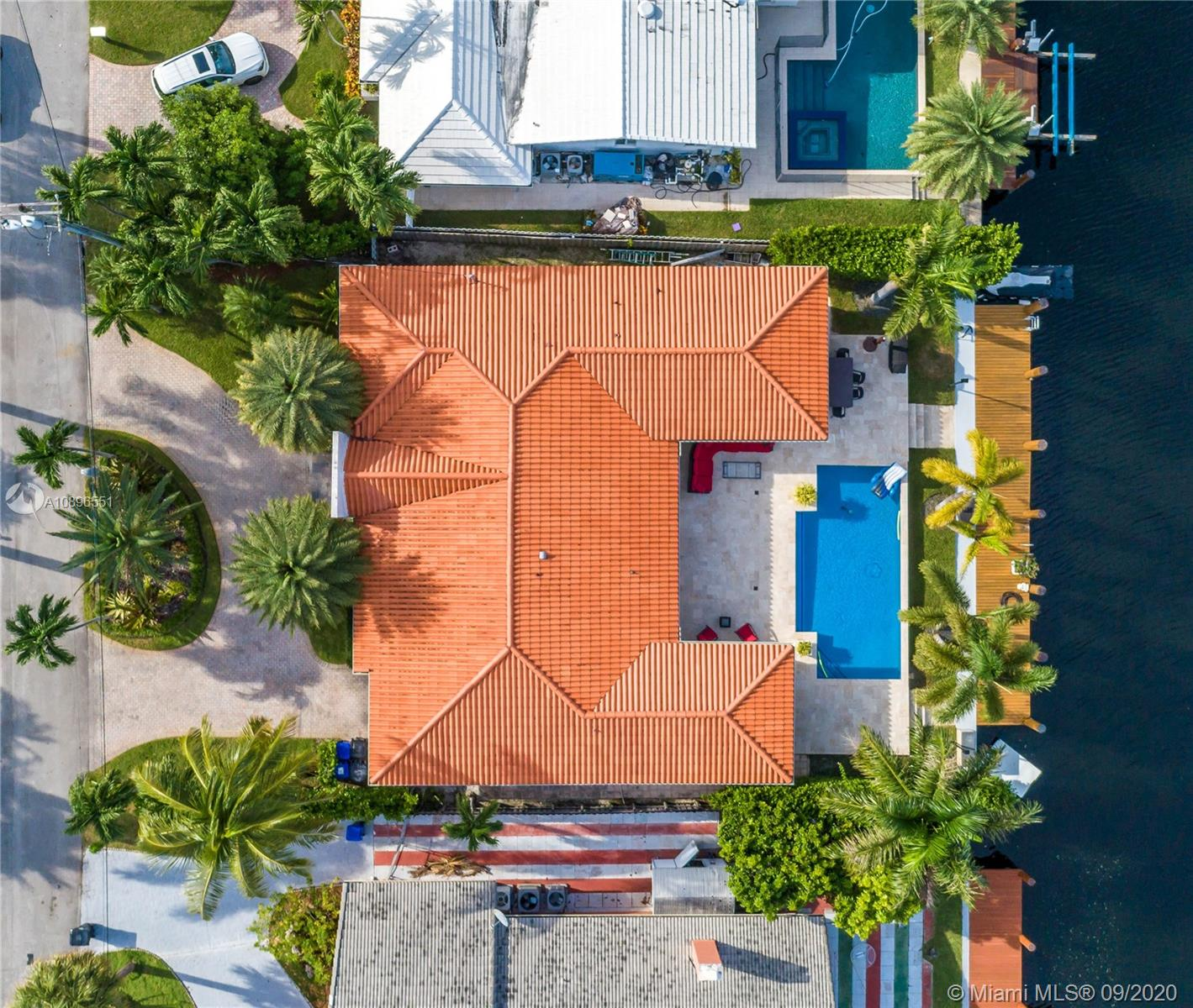 16465 NE 32nd Ave  For Sale A10896551, FL