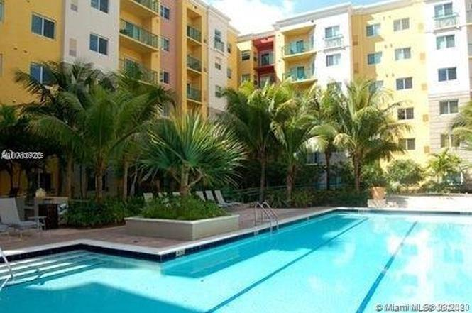 6001 SW 70th St #228 For Sale A10896869, FL