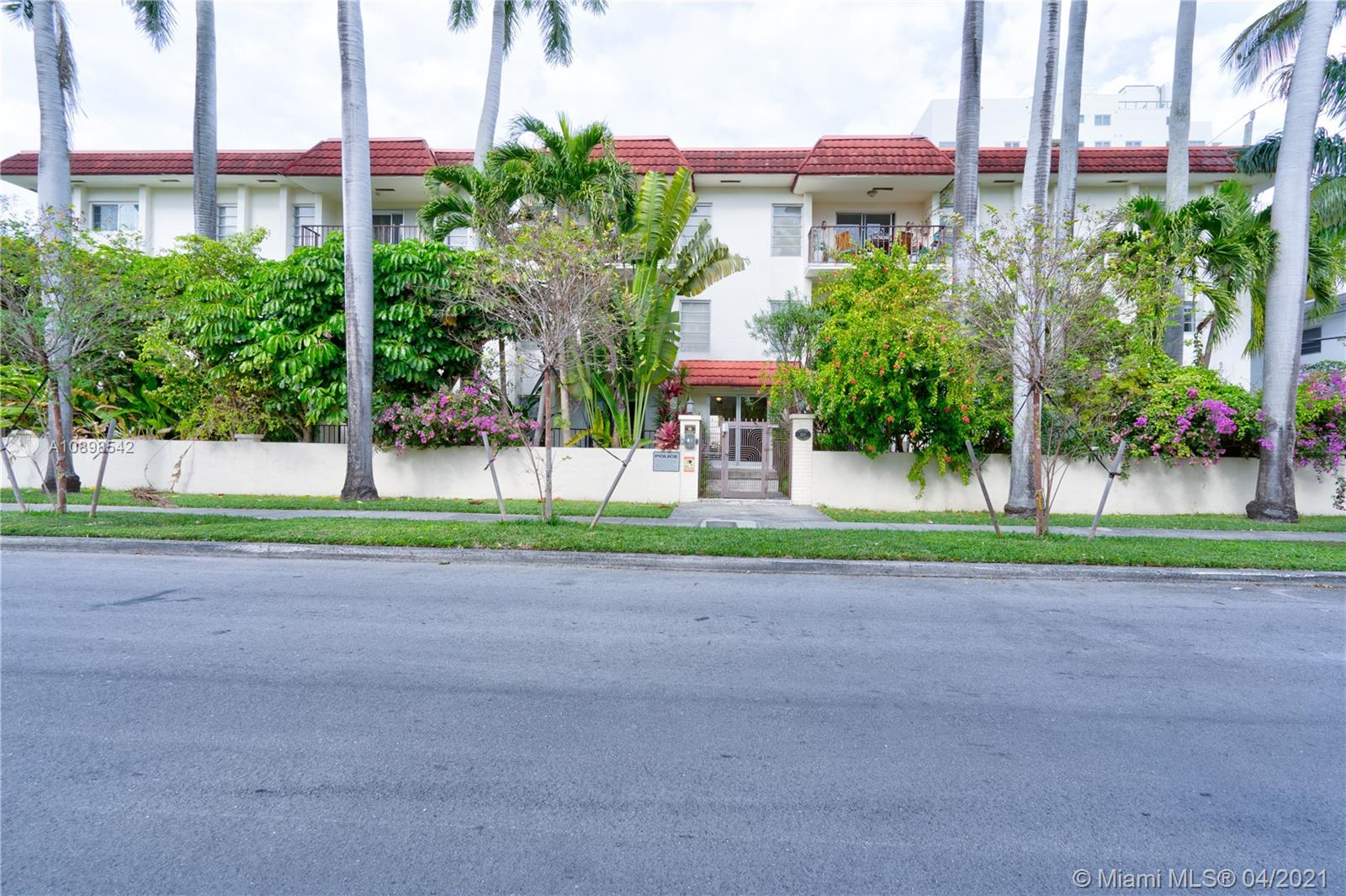 1821  Jefferson Ave #203 For Sale A10898542, FL