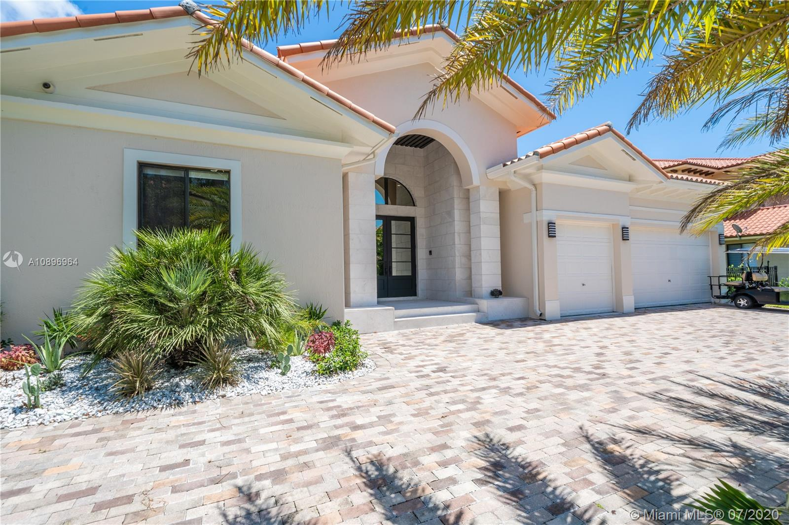 7925 SW 193rd St  For Sale A10896964, FL