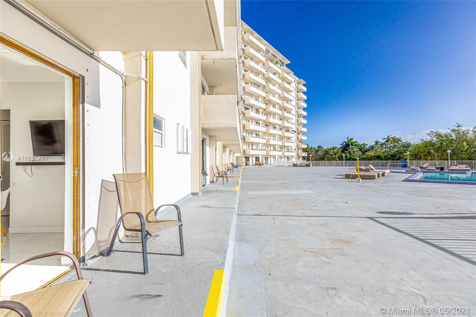 7904  West Drive #117 For Sale A10897236, FL