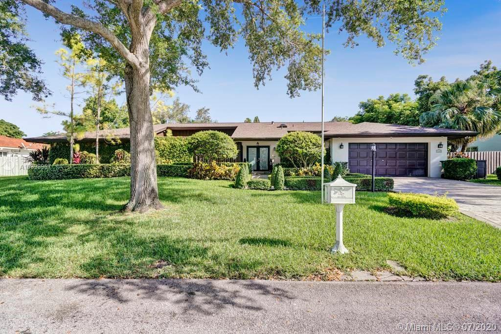 7760 SW 180th St  For Sale A10898967, FL