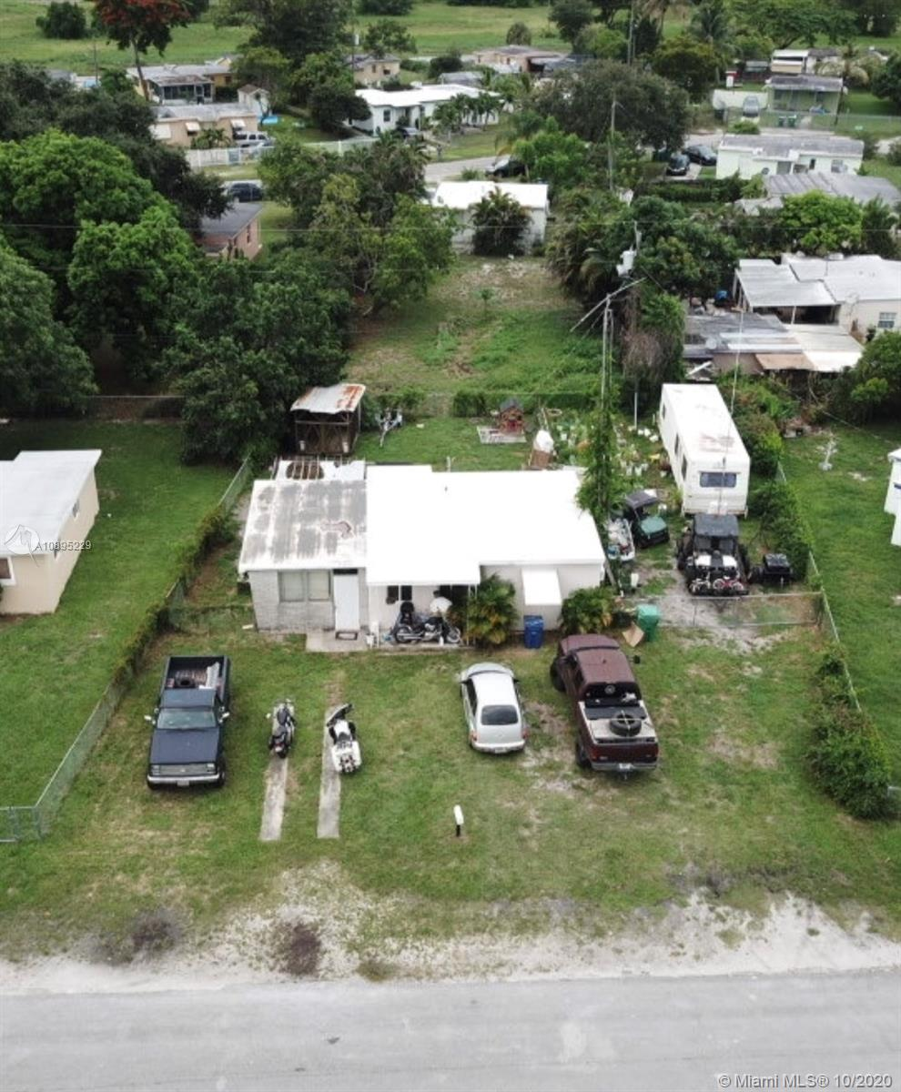 12721  Wood St  For Sale A10895229, FL