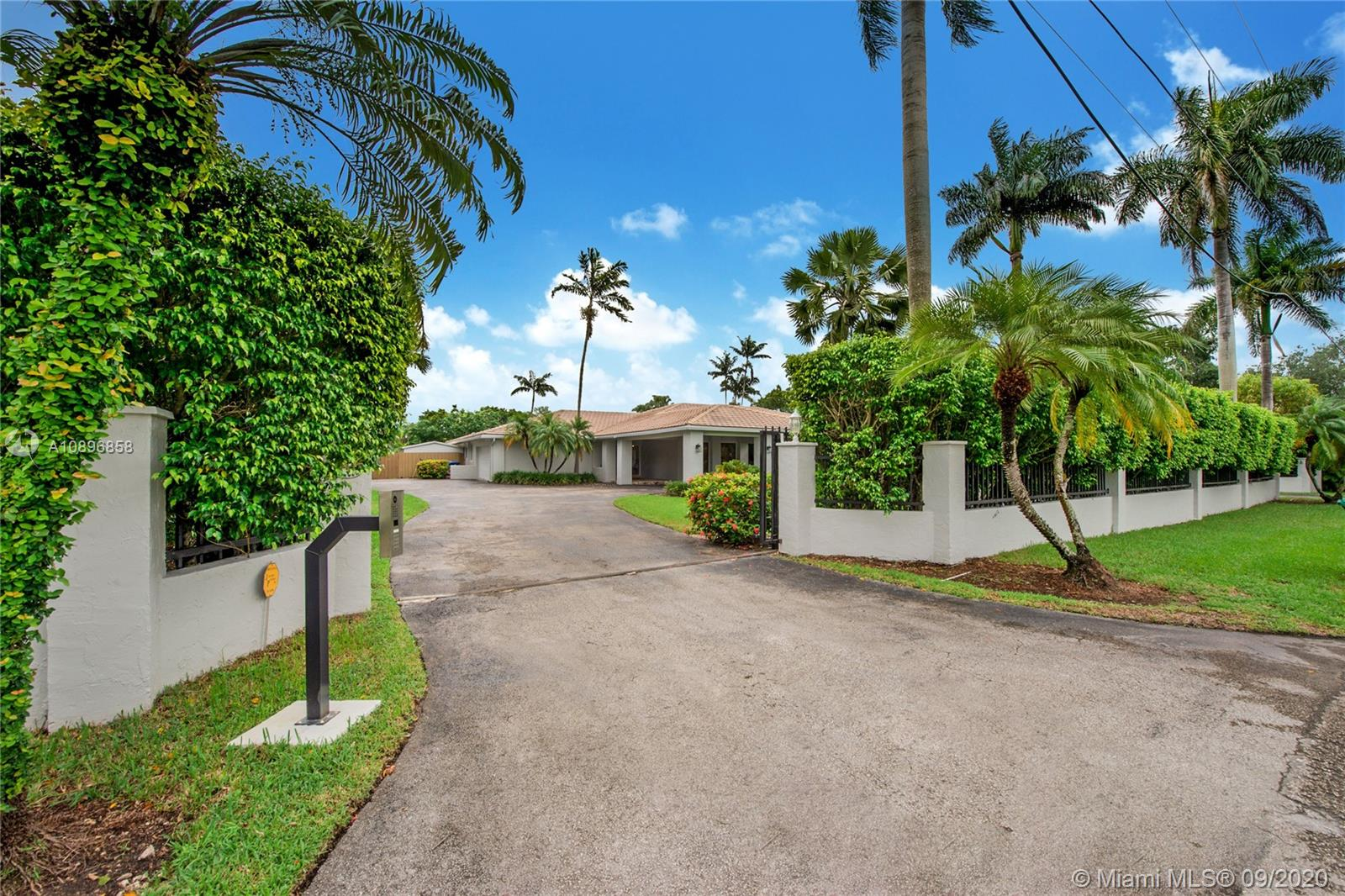 11501 SW 88th Ave  For Sale A10896858, FL