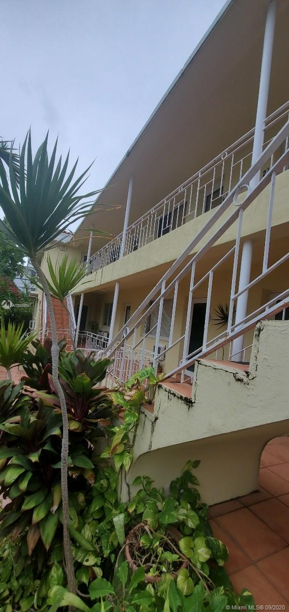 6831  Abbott Ave #4 For Sale A10899597, FL