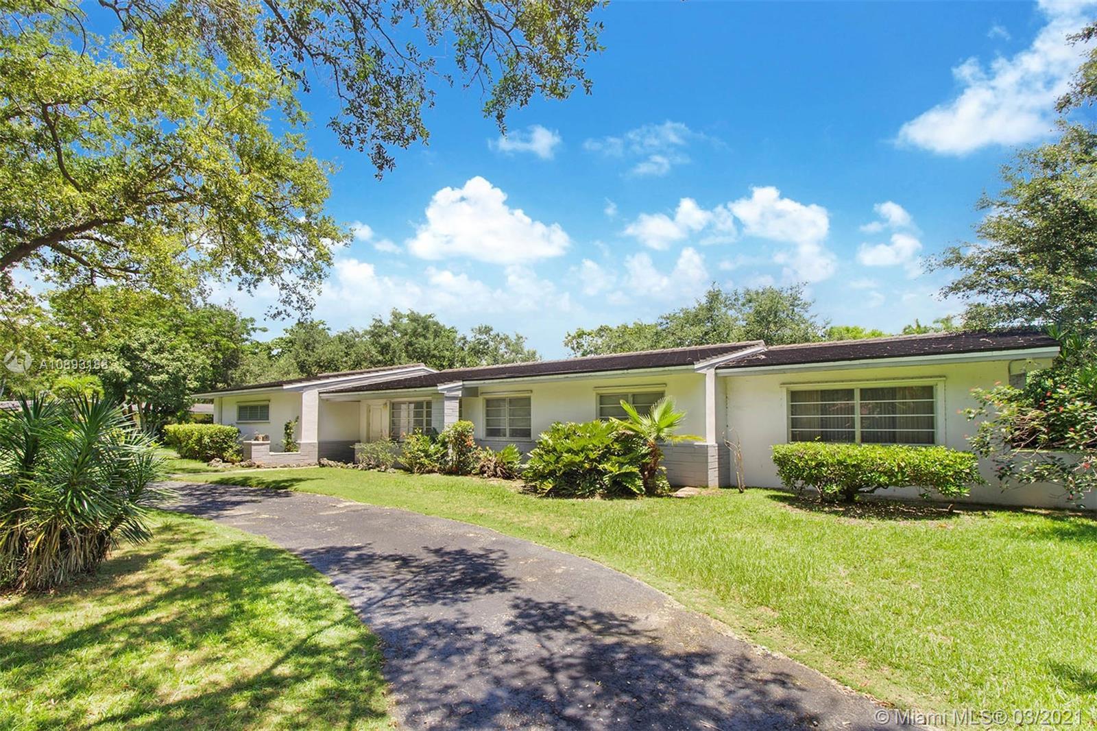 6525  Chapman Field Drive  For Sale A10893188, FL