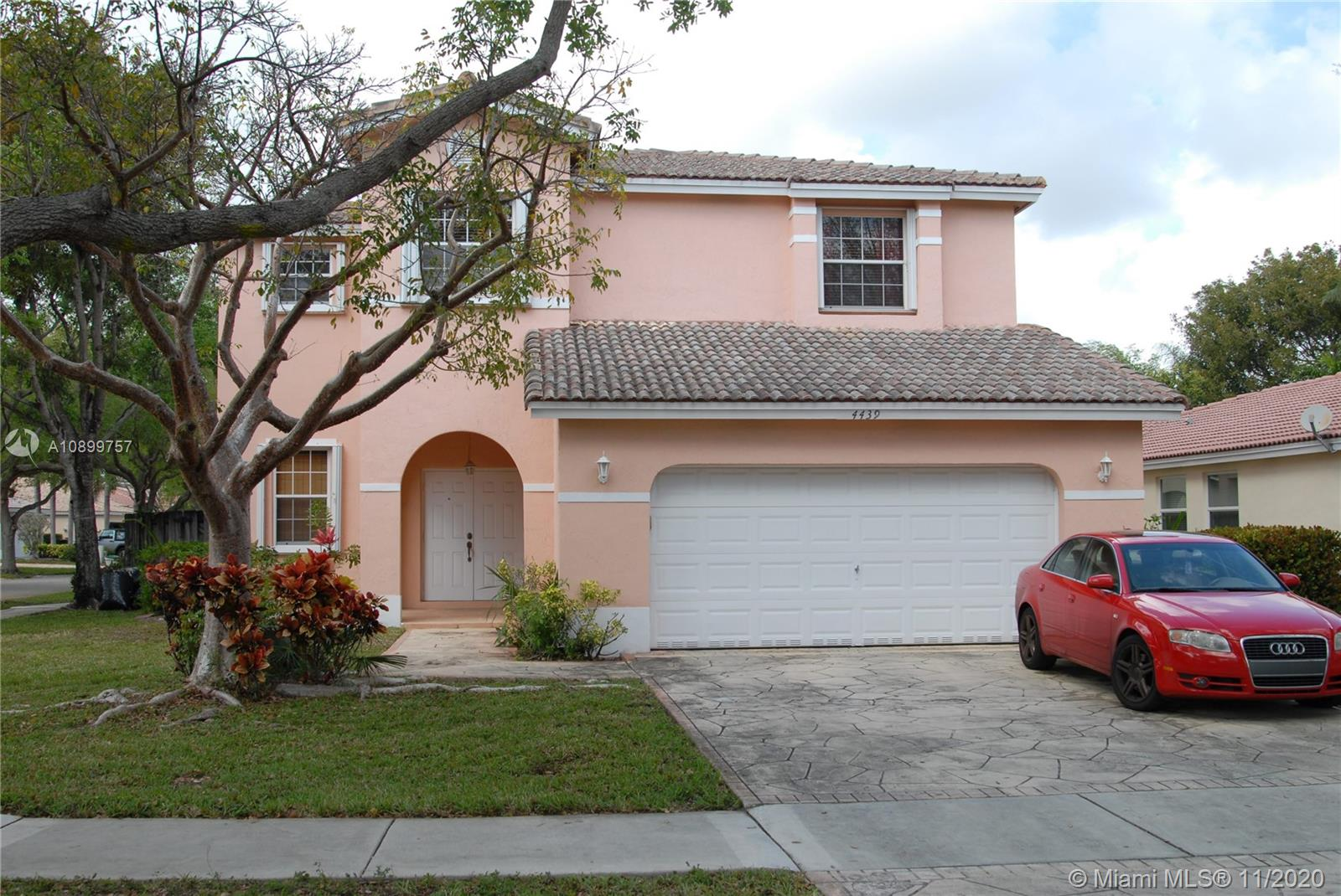4439 NW 43rd St  For Sale A10899757, FL