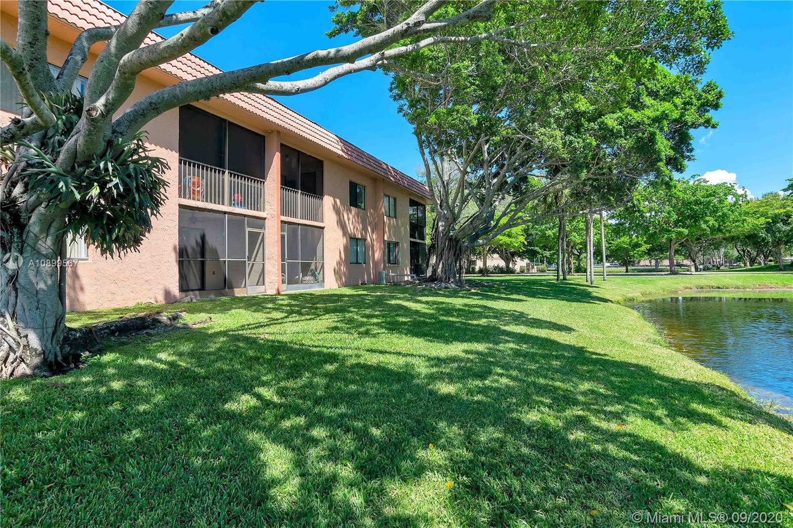 239  Lakeview Dr #103 For Sale A10899567, FL