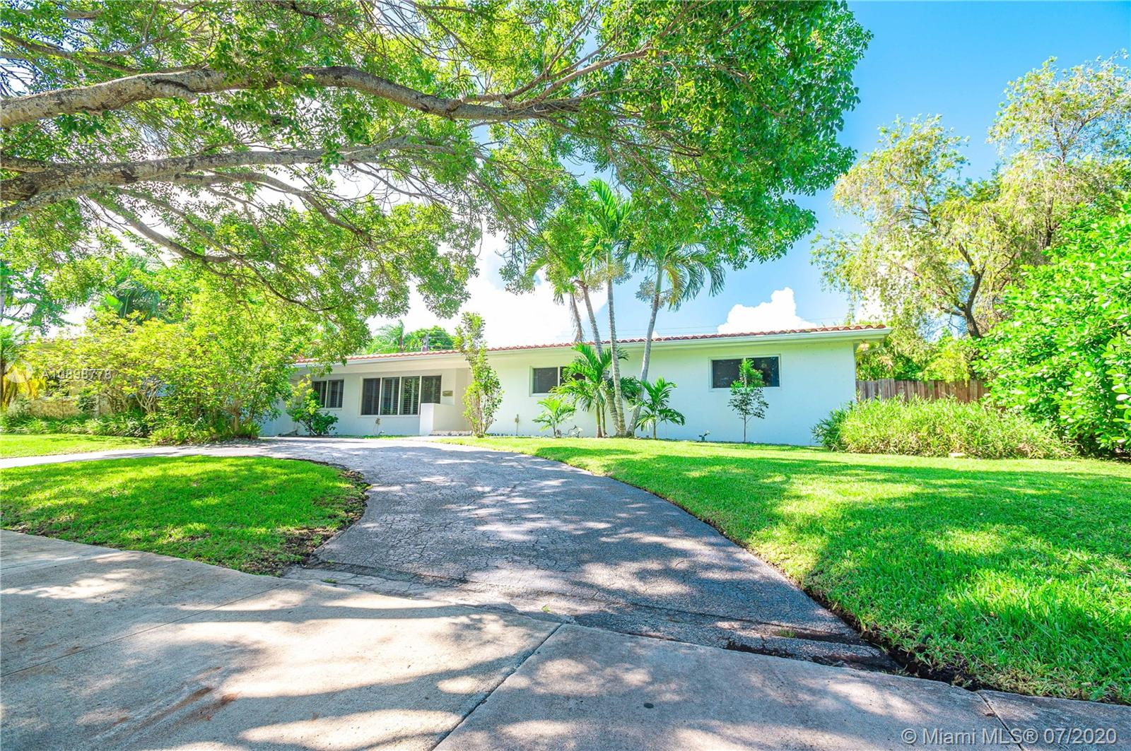 7271 SW 128th St  For Sale A10898778, FL
