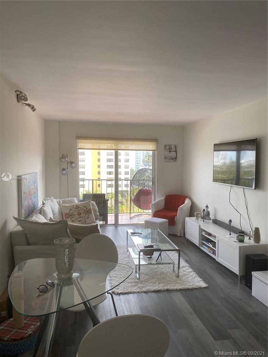 899  West Ave #8D For Sale A10899770, FL