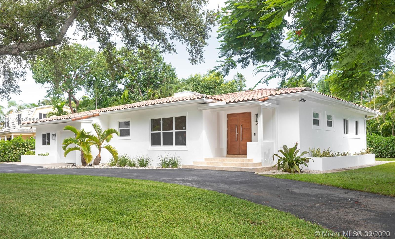 750  Paradiso Ave  For Sale A10898698, FL