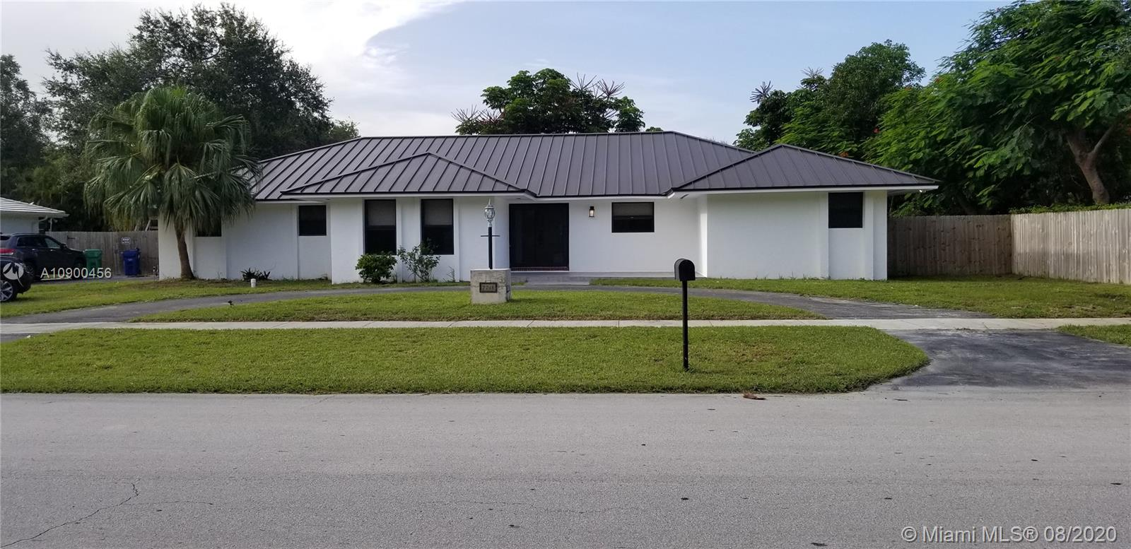7741 SW 176 ST  For Sale A10900456, FL