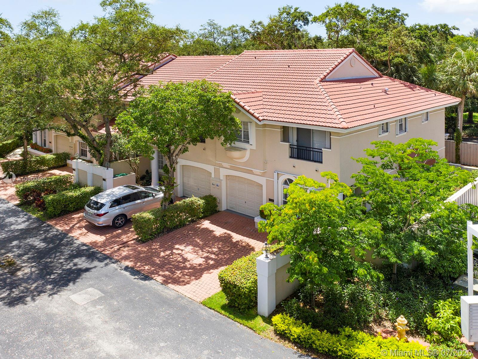 6886 SW 89th Ter  For Sale A10900535, FL