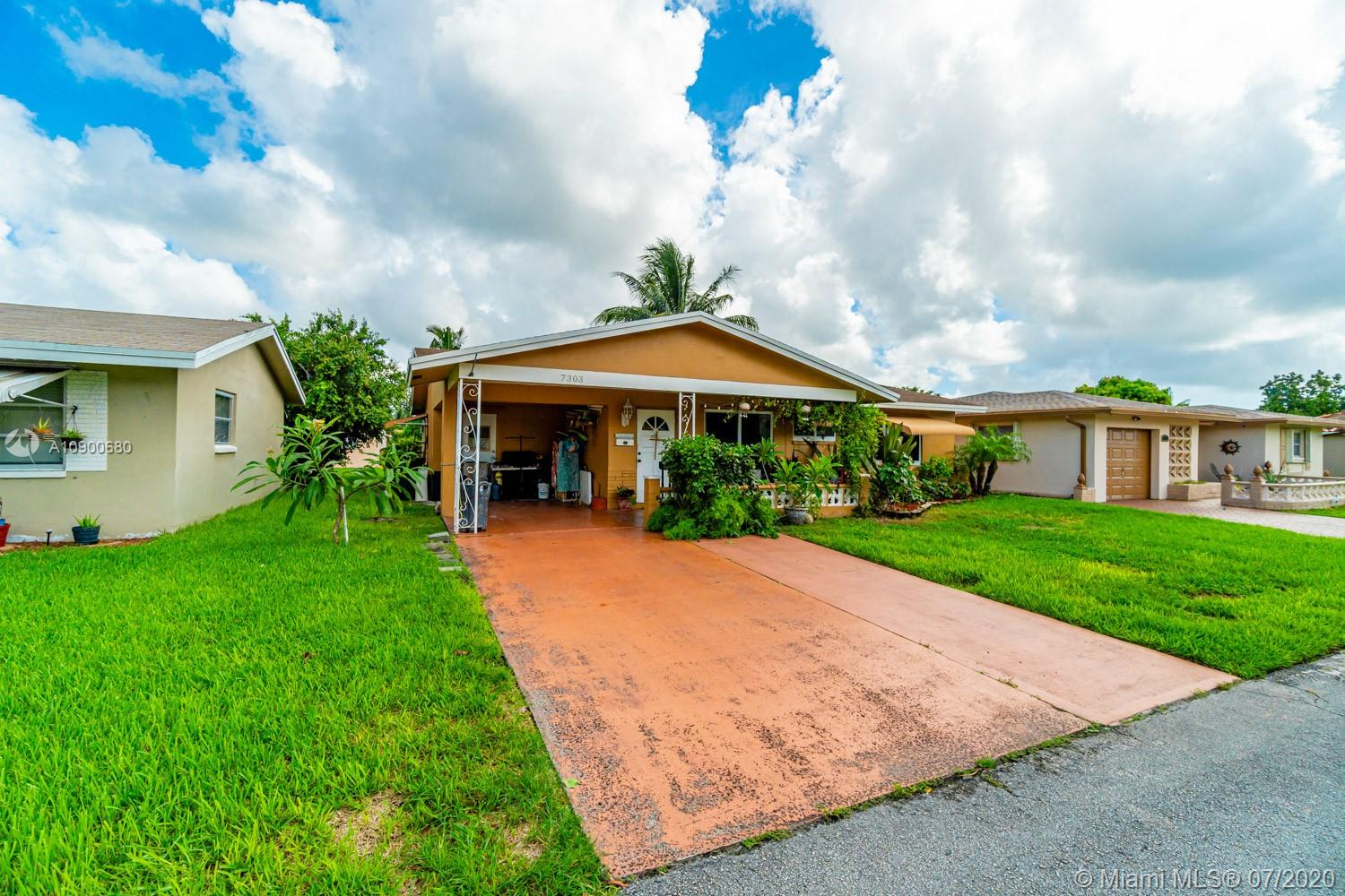 Charming 2/2 in the all ages section of the Mainlands! Property features laminate wood floors, redone kitchen (granite countertops, wood cabinets, stainless steel appliances), updated baths, hurricane impact windows and so much more. Make this your home today!