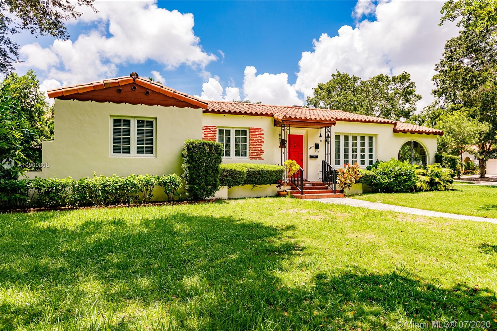 1700  Cortez St  For Sale A10900808, FL