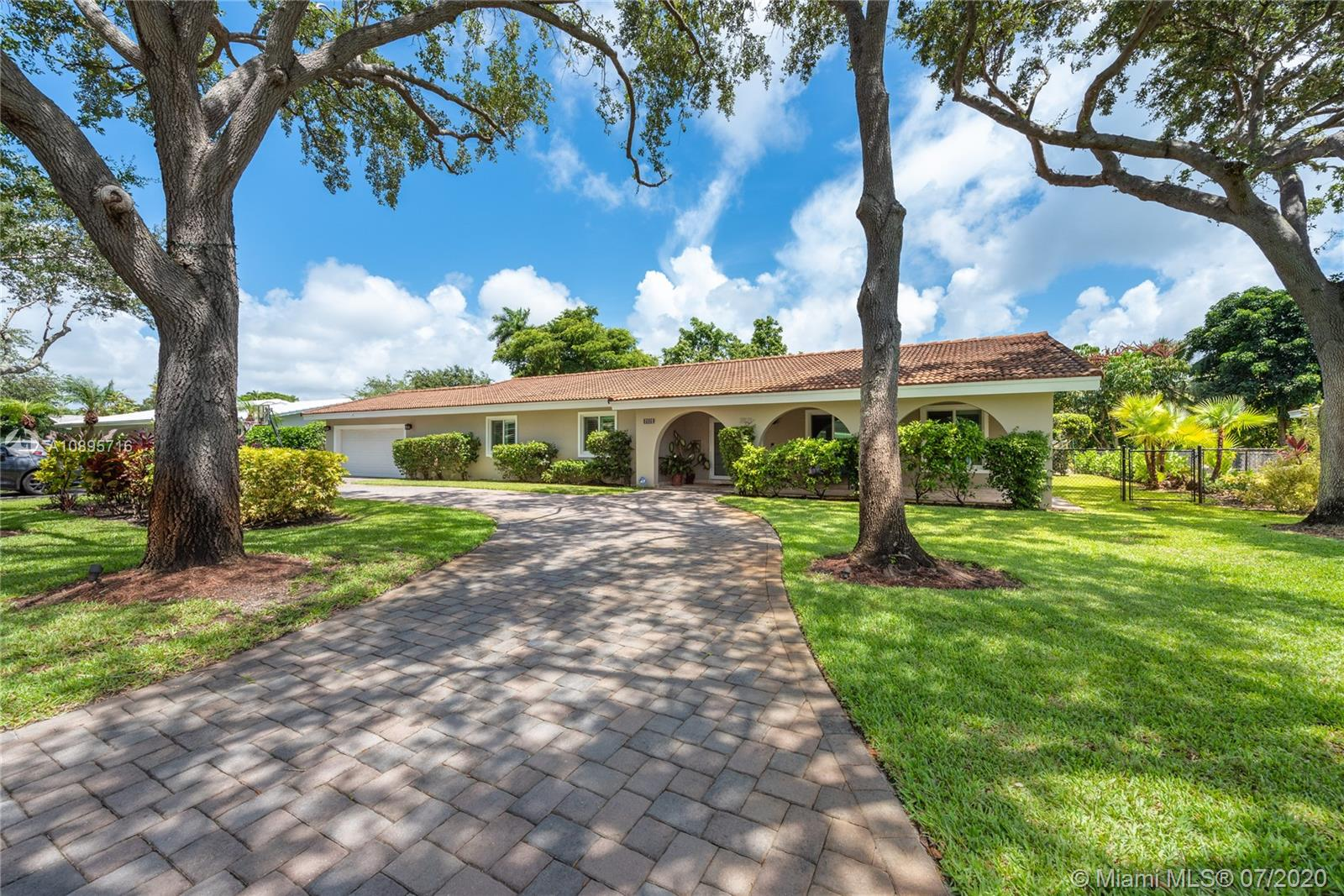 7871 SW 143rd St  For Sale A10895716, FL