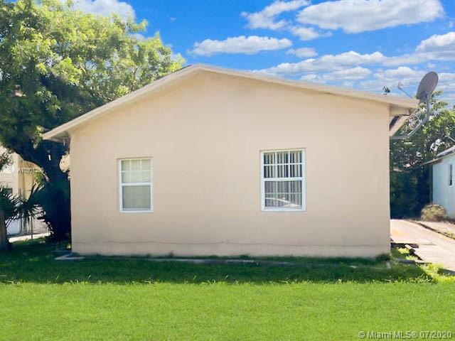 3140 NW 21st Ct  For Sale A10901298, FL