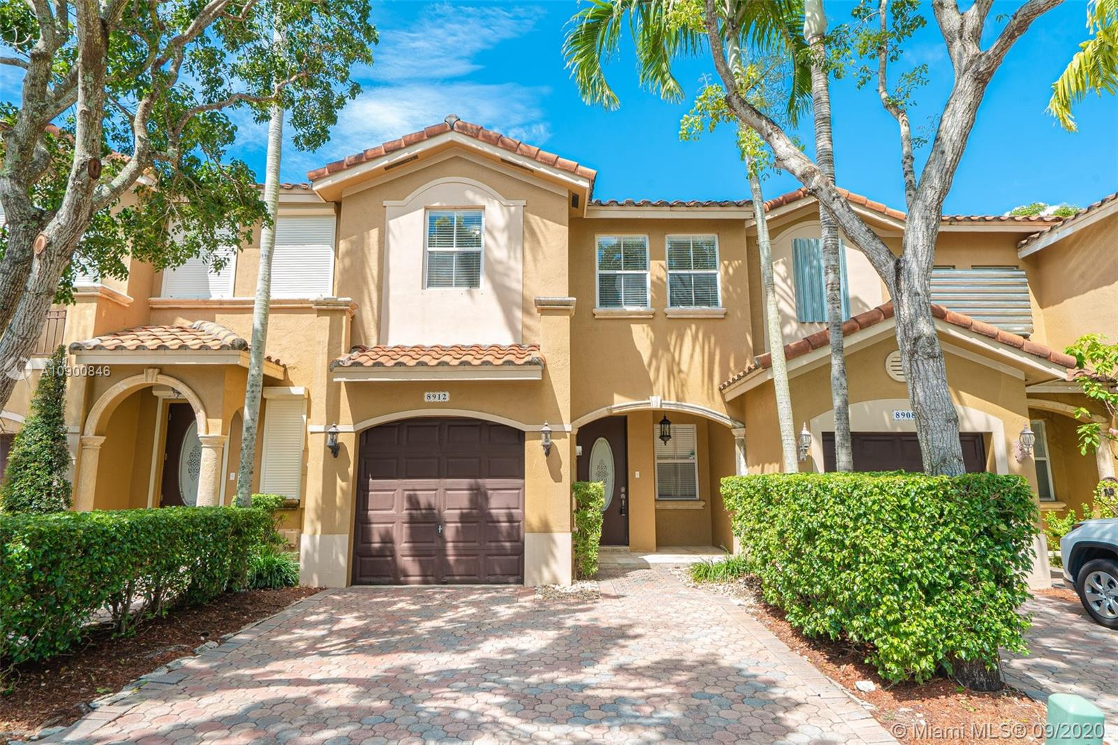 8912 SW 109th Ave  For Sale A10900846, FL