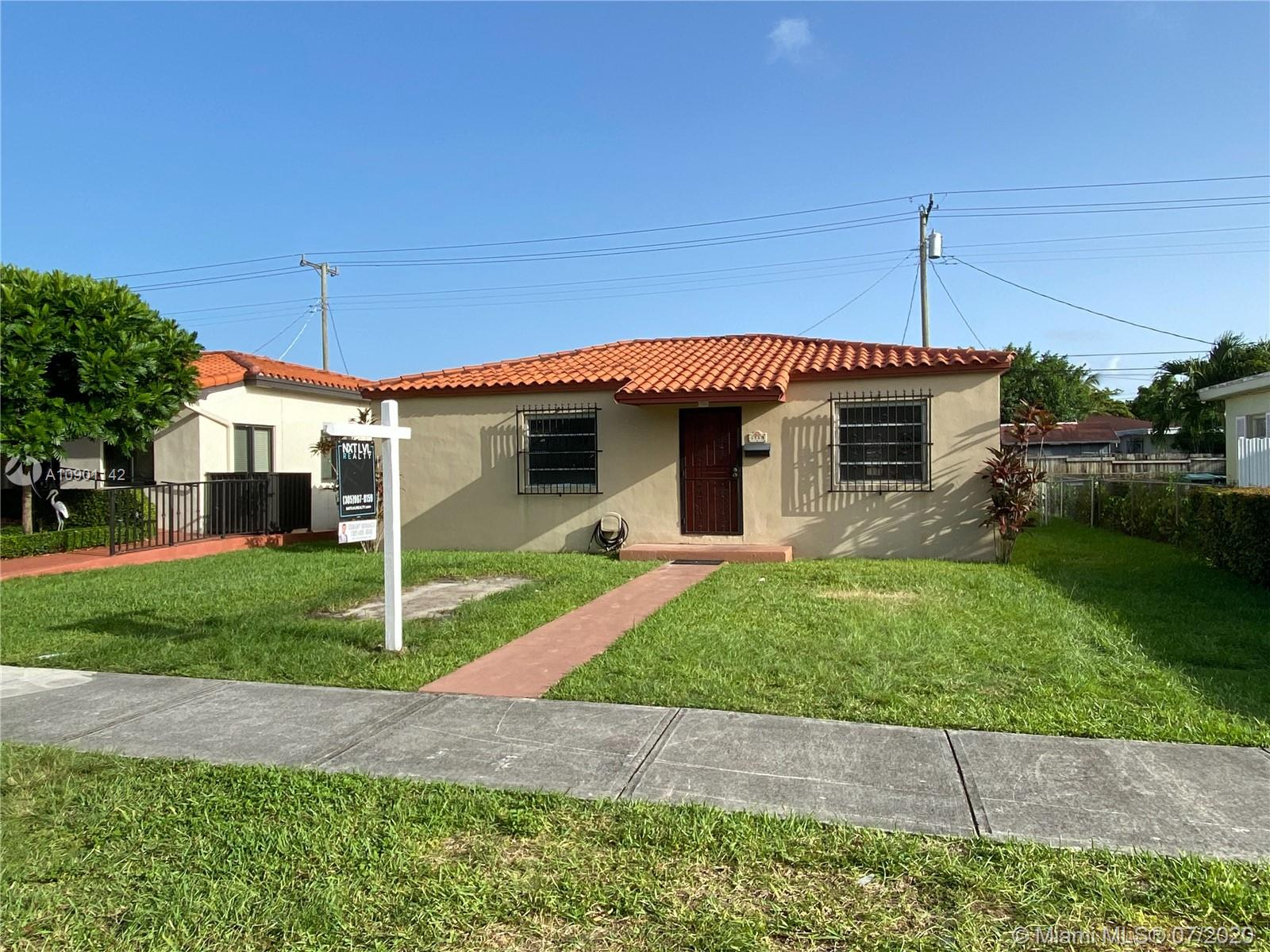 6568 SW 38th St  For Sale A10901142, FL
