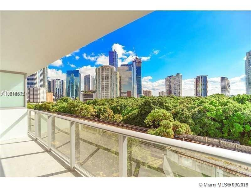 "**MOVE IN WITH ONLY FIRST MONTH RENT AND SECURITY DEPOSIT **6 TO 12 MONTH LEASE AVAILABLE .   2 PARKING SPACES, EXTRA STORAGE ASSIGNED. BRAND NEW BOUTIQUE BUILDING, GREAT LOCATION WITHIN BRICKELL AREA, INCLUDES WATER, CABLE, INTERNET.  THIS LUXURY CONDO 1BE, 1BA, IN THE PRESTIGIOUS ""LE PARC AT BRICKELL"". TOP OF THE LINE ITALIAN CABINETRY KITCHEN, STAINLESS STEEL APPLIANCES, CERAMIC FLOOR T/OUT, SPACIOUS BALCONY, ABUNDANT AMENITIES & SERVICES: CLUBROOM, CHILDREN PLAYROOM, LARGE POOL, JACUZZI, ROOFTOP WHIRLPOOL, SKY LOUNGE. RIGHT ACROSS THE STREET FROM SIMPSON PARK, WALKING DISTANCE TO THE BEST RESTAURANTS, THEATRES, SUPERMARKETS, FINANCIAL DISTRICT IN BRICKELL ETC **GOOD CREDIT AND BACKGROUND A MUST**"
