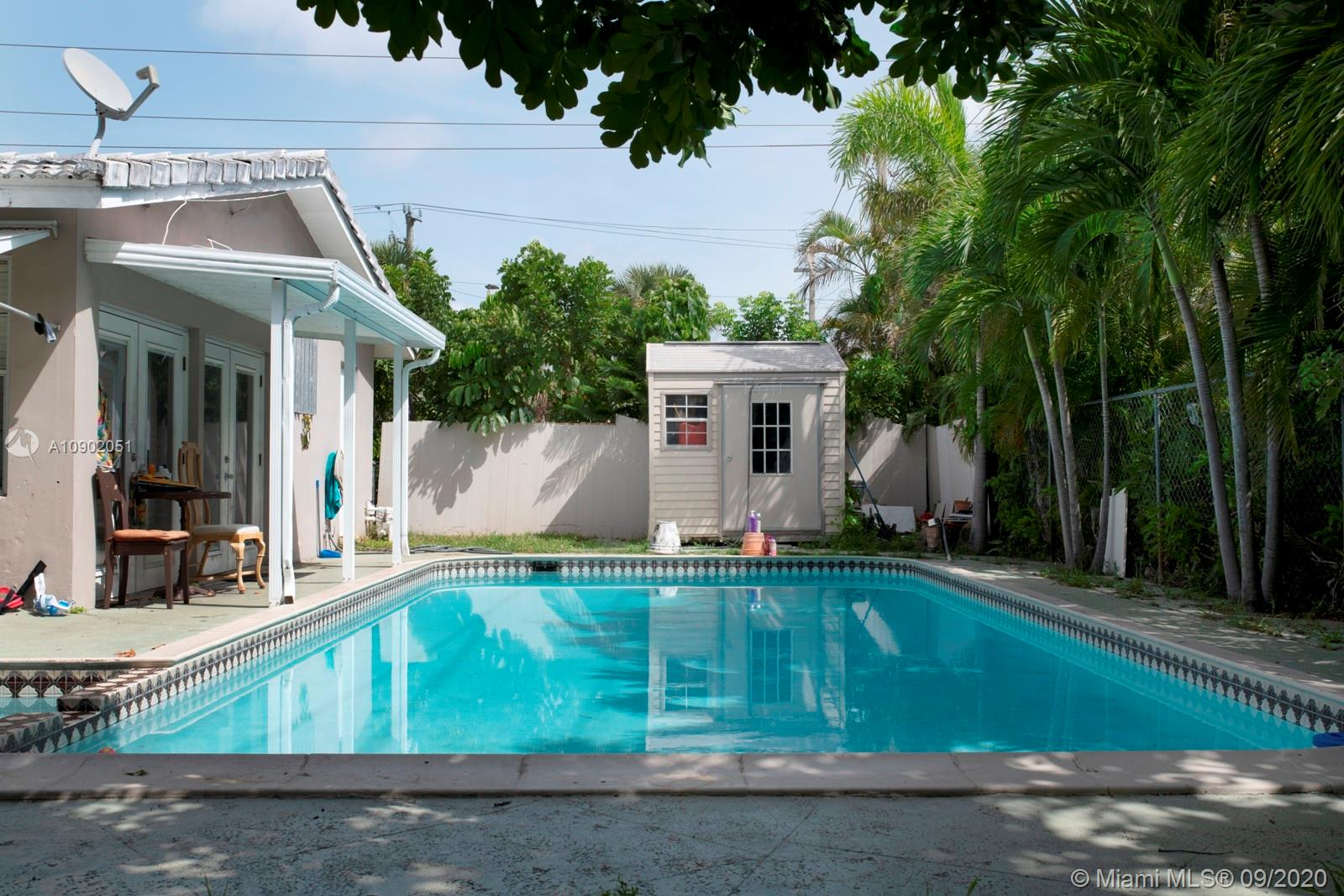 NICE FAMILY HOME 3BD 2BA . NOW THIS IS 2BD 1BA AND 1BD / 1BA W/ SEPARATE ENTRANCE (6 last photos). LARGE CORNER LOT 7,739 SQ WITH BELOW GROUND PRIVATE POOL. TENANT IN PLACE. CORAL HEIGHTS HIS ONE OF THE HOTTEST NEIGHBORHOODS IN OAKLAND PARK REAL ESTATE. NEAR THE BEACHES AND STEPS TO TRENDY NEW SHOPPES / URBAN ARTS DISTRICT/ GROCERIES/ DINING & ENTERTAINMENT. SHOWING ONLY ON SATURDAY  AT 12:00 ONLY BY APOINTMENT BY SHOWING ASSIST .