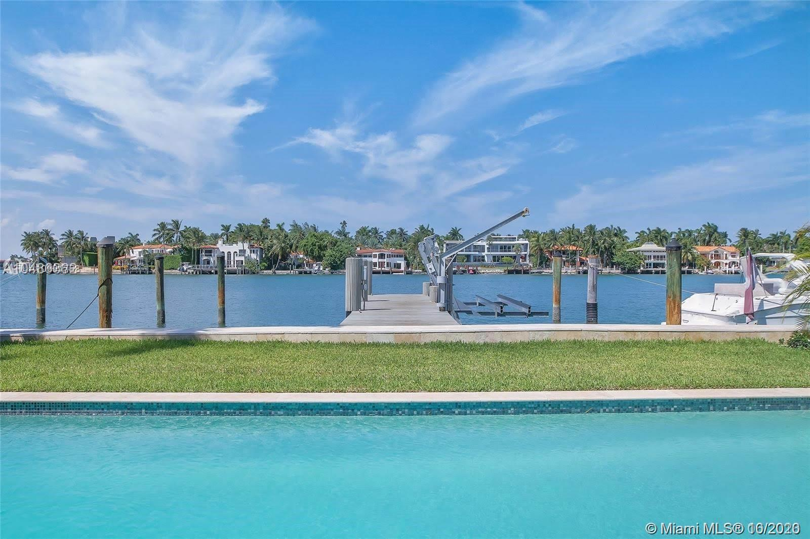 253 N COCONUT LN  For Sale A10901758, FL