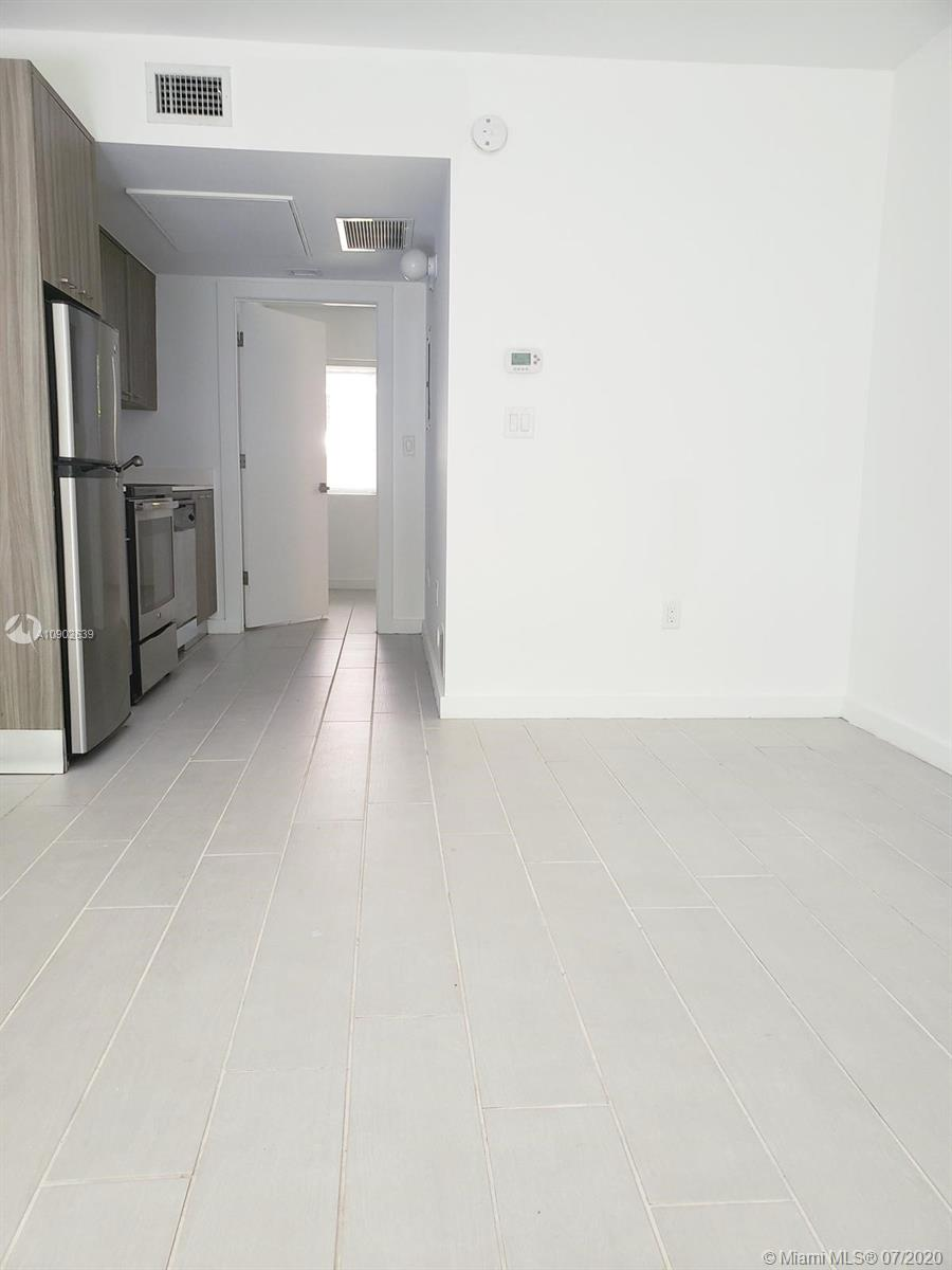 740  Meridian Ave #24 For Sale A10902639, FL