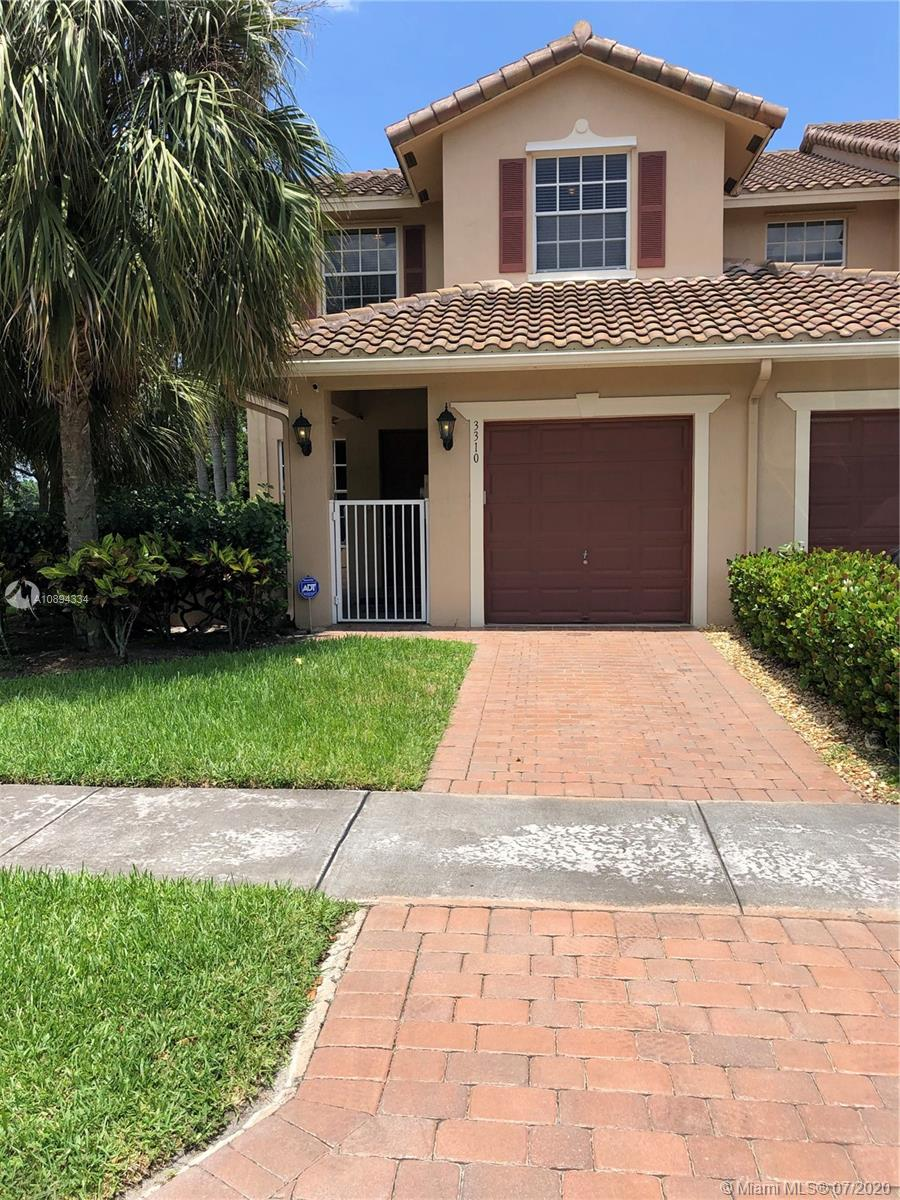 3310  Lakeside Dr #43 For Sale A10894334, FL