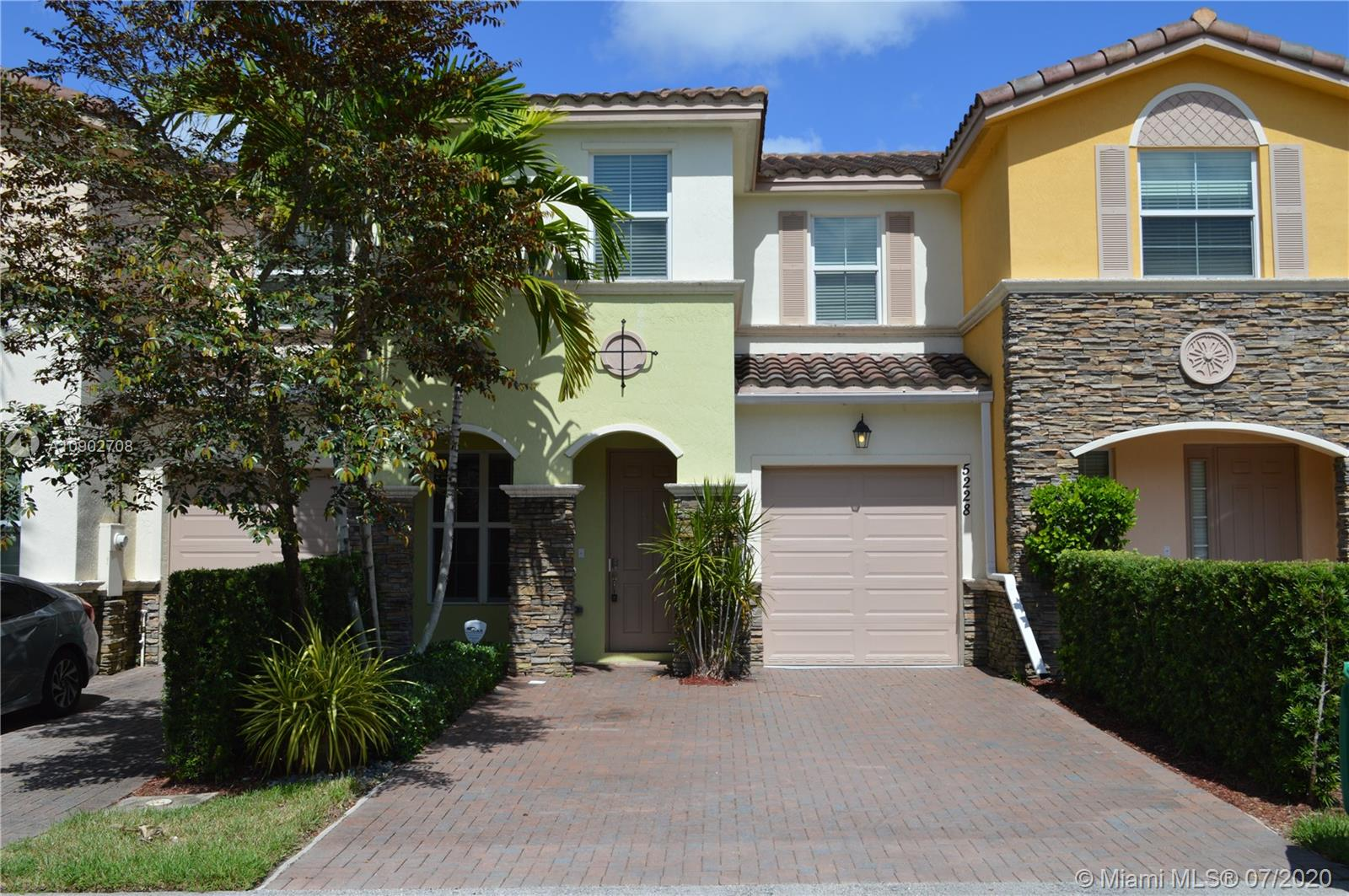 5228 SW 77th Way #5228 For Sale A10902708, FL