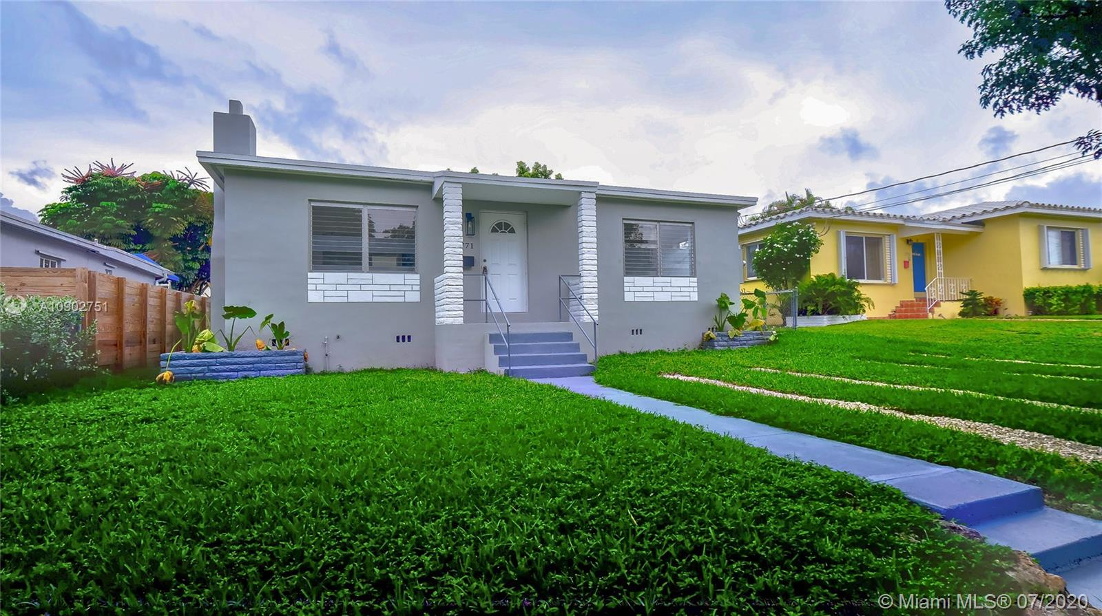 2771 SW 33rd Ave  For Sale A10902751, FL