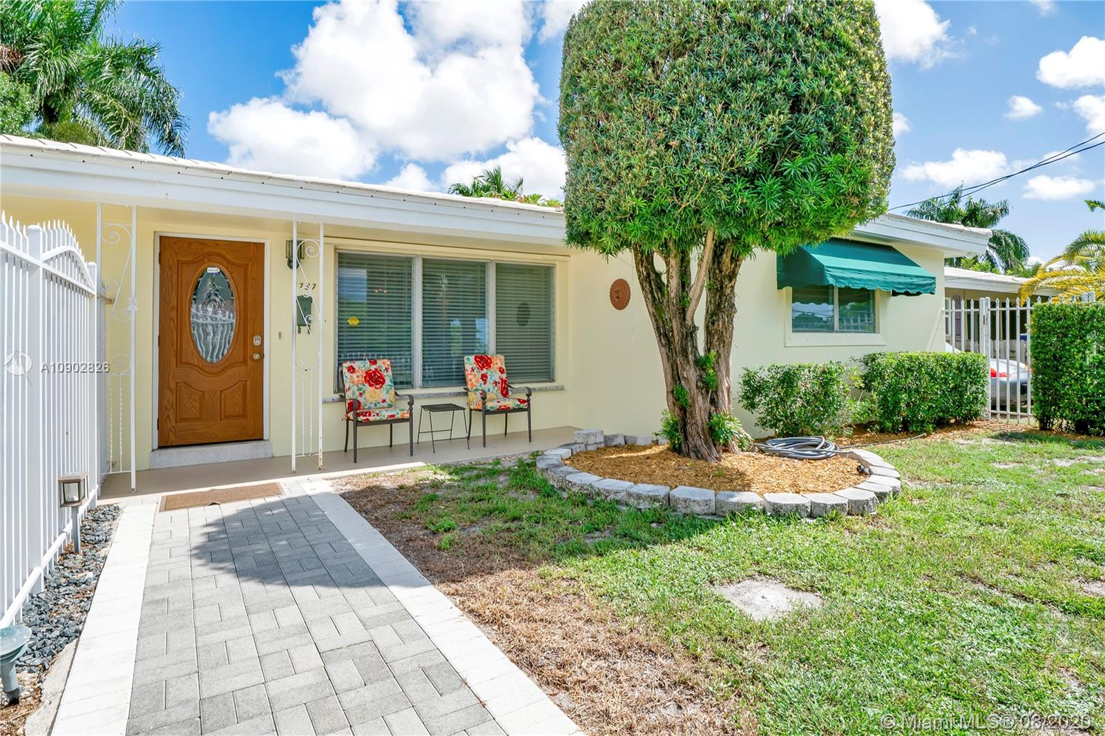 1737 SW 4th St  For Sale A10902826, FL