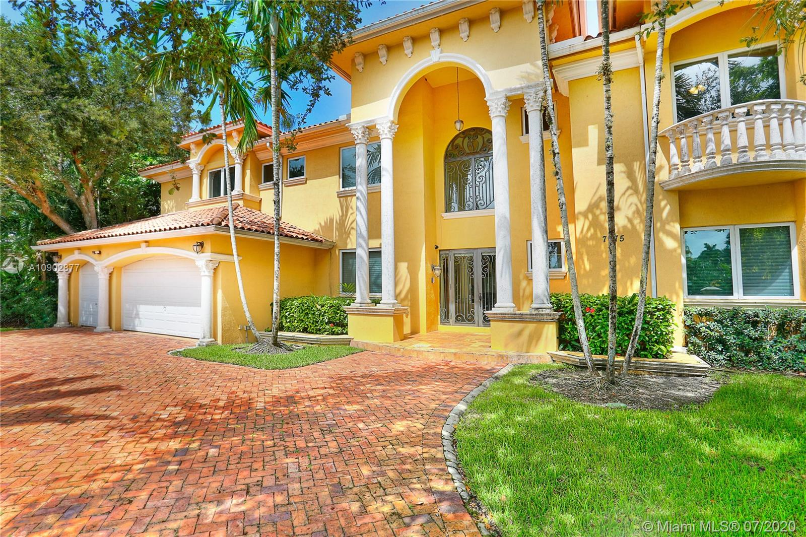7975 SW 52 Ct  For Sale A10902877, FL