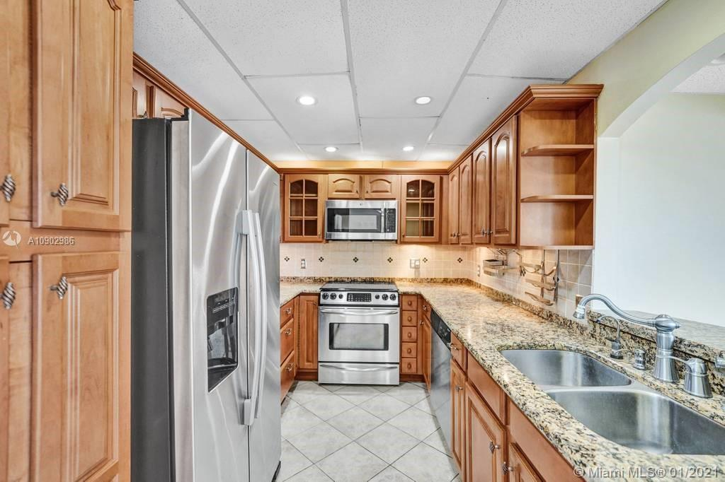 400  Kings Point Dr #823 For Sale A10902986, FL