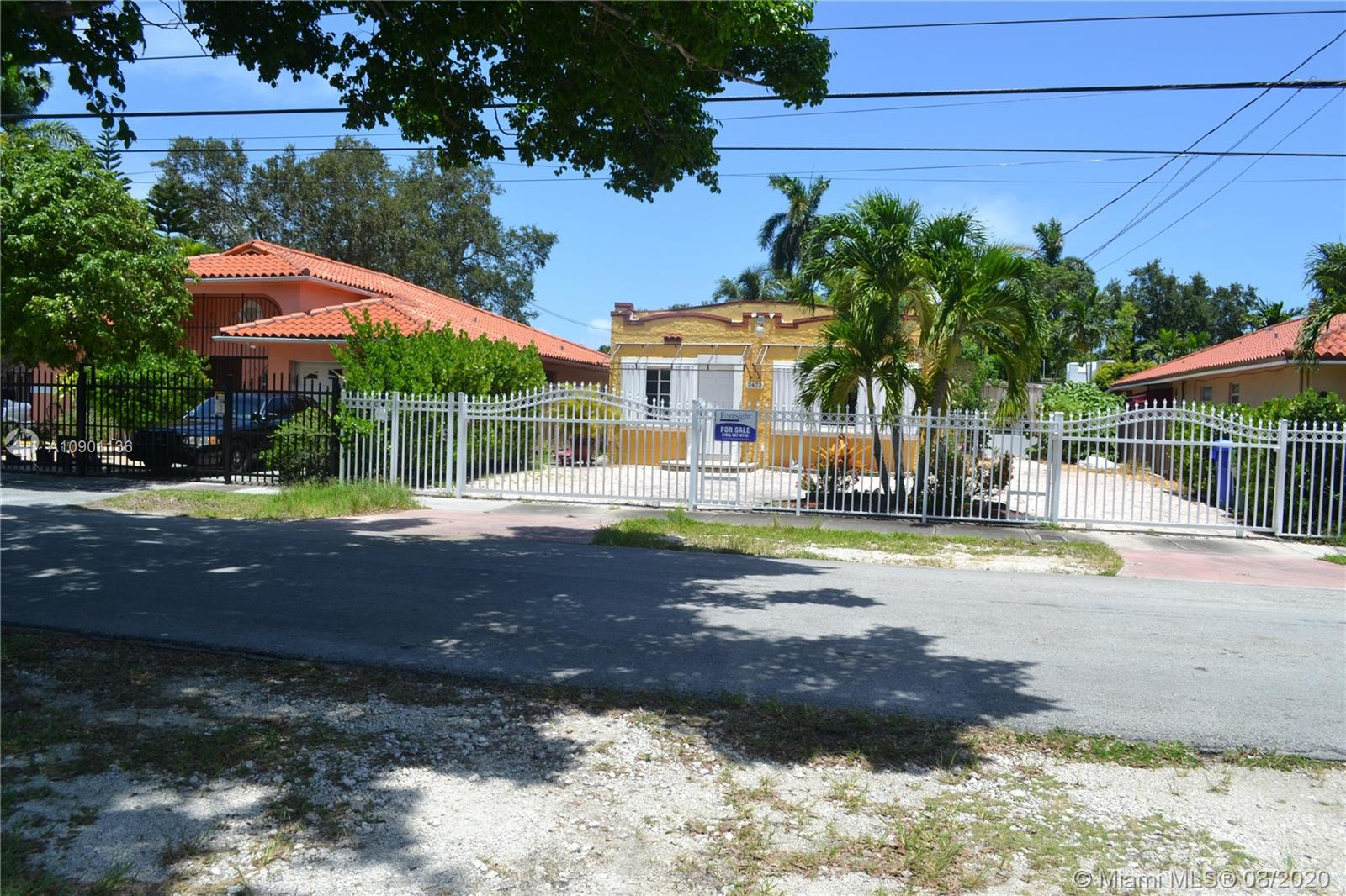 2473 SW 25th Ter  For Sale A10901136, FL