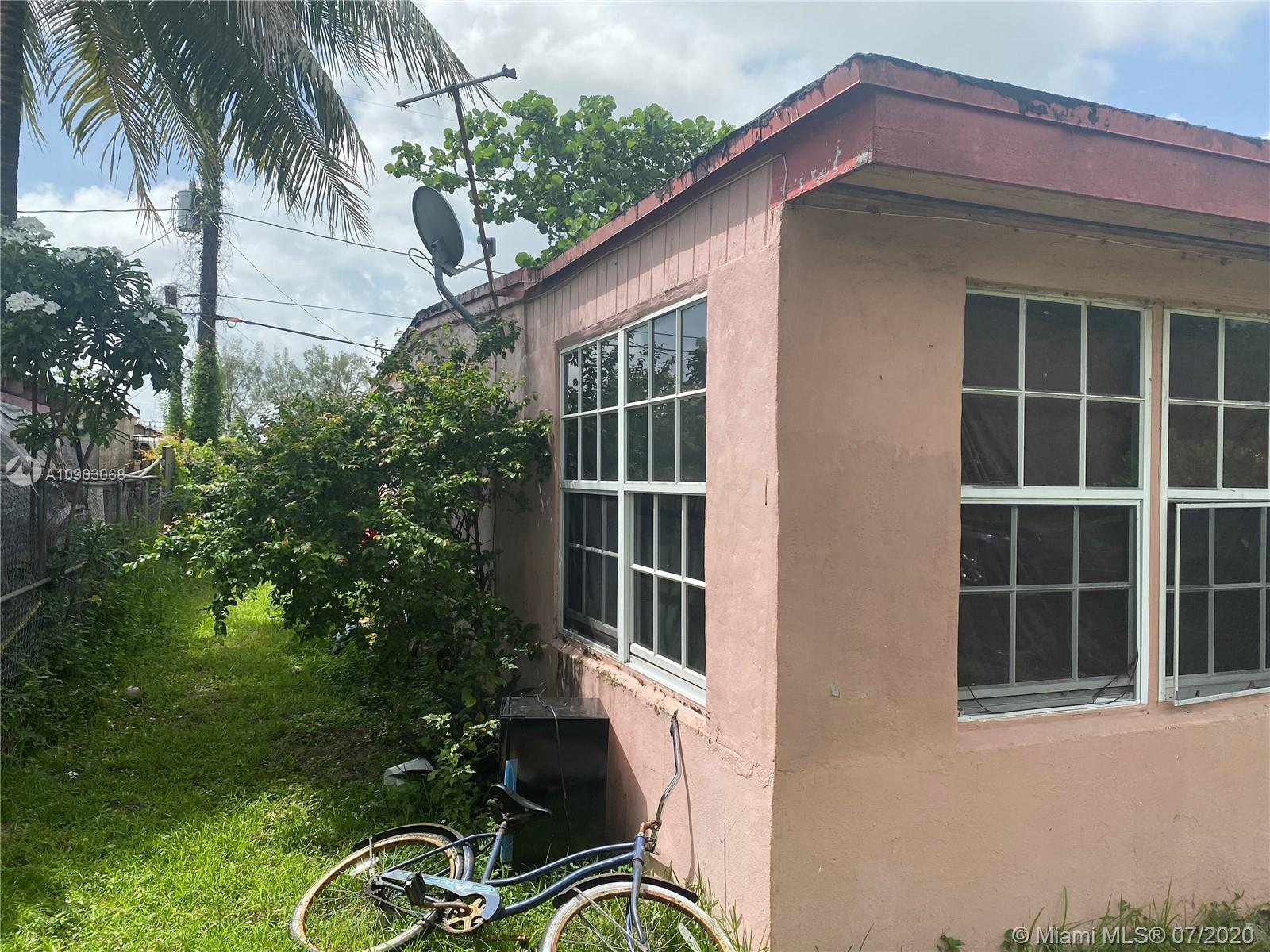 2120  York St  For Sale A10903068, FL